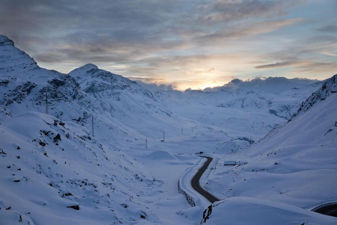 General 1151x768 landscape road winter mountains