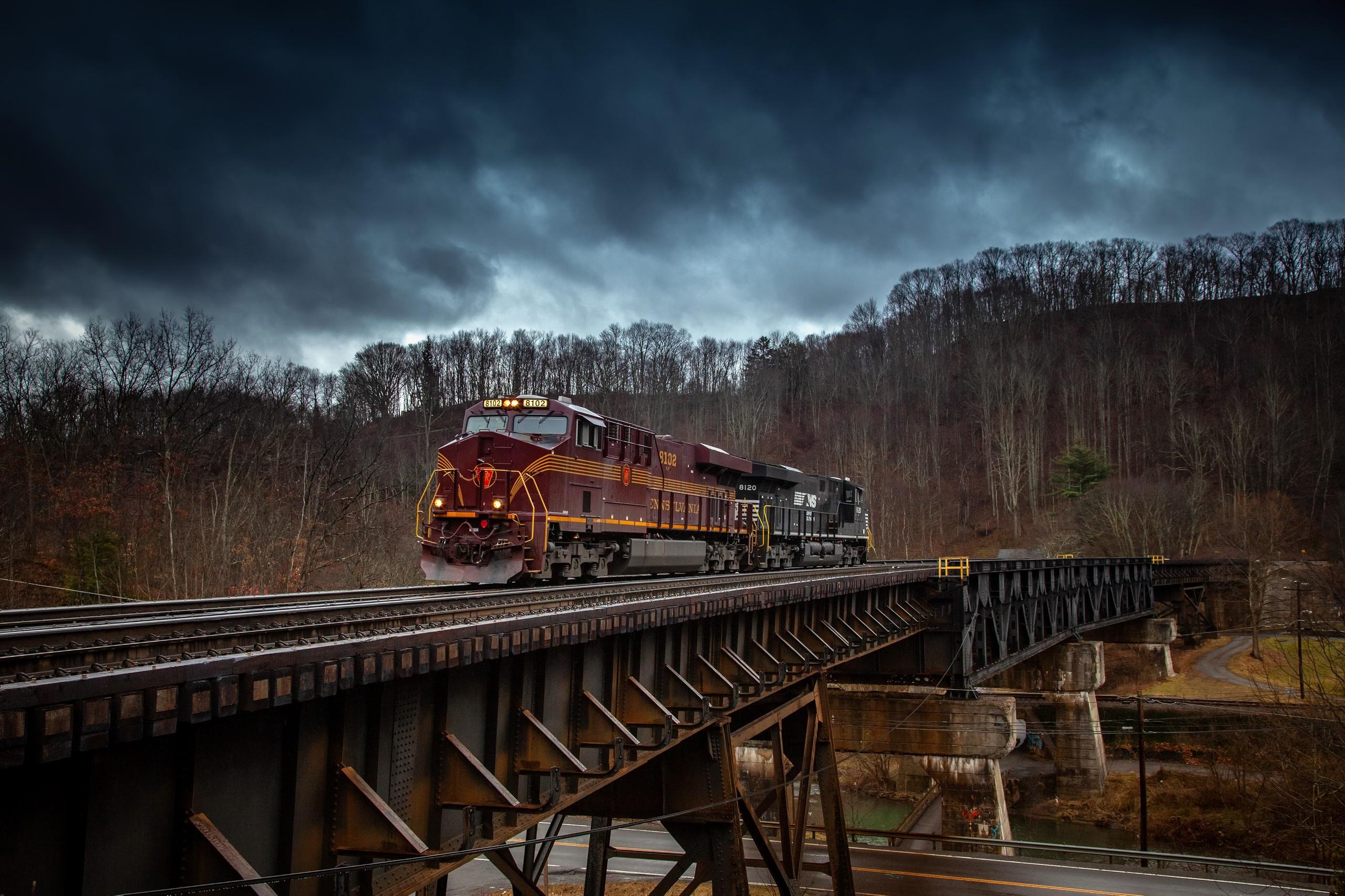 General 2560x1706 bridge locomotive train trees vehicle