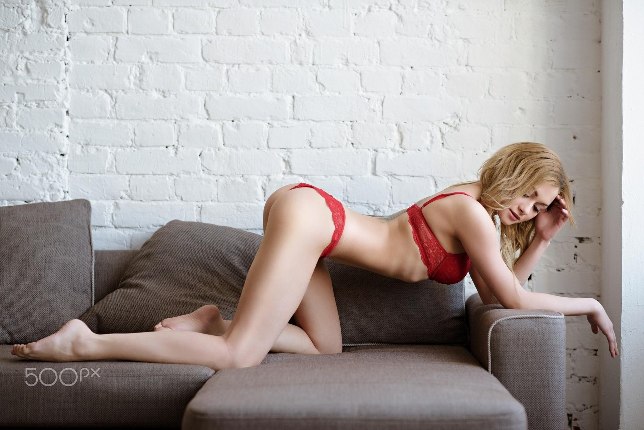 People 2048x1367 women ass blonde brunette red lingerie ribs wall bricks couch bent over 500px Galina Tcivina feet barefoot