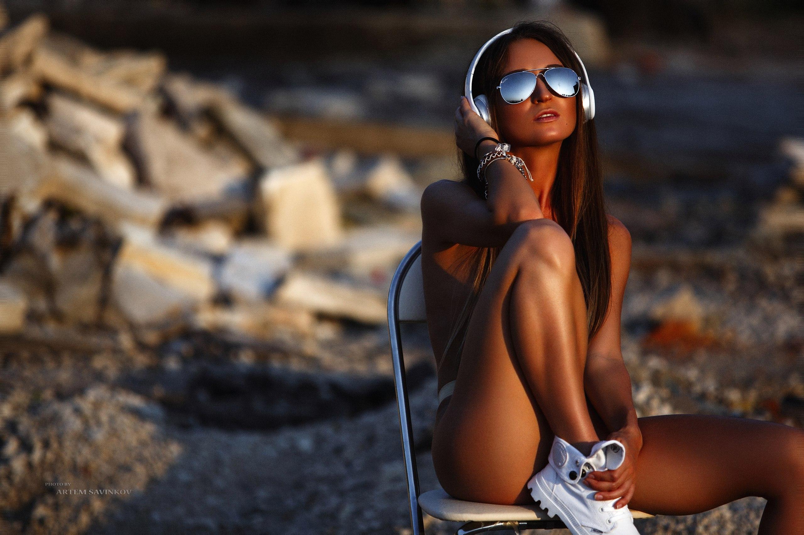 People 2560x1706 women brunette women with shades chair tanned sunglasses headphones topless strategic covering sunset sitting spread legs Artem Savinkov Ray-Ban Aniuta Furnosova