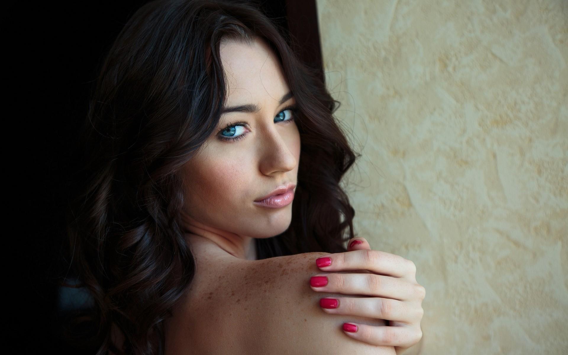 People 1920x1200 women brunette freckles face Zsanett Tormay Met-Art MetArt Magazine