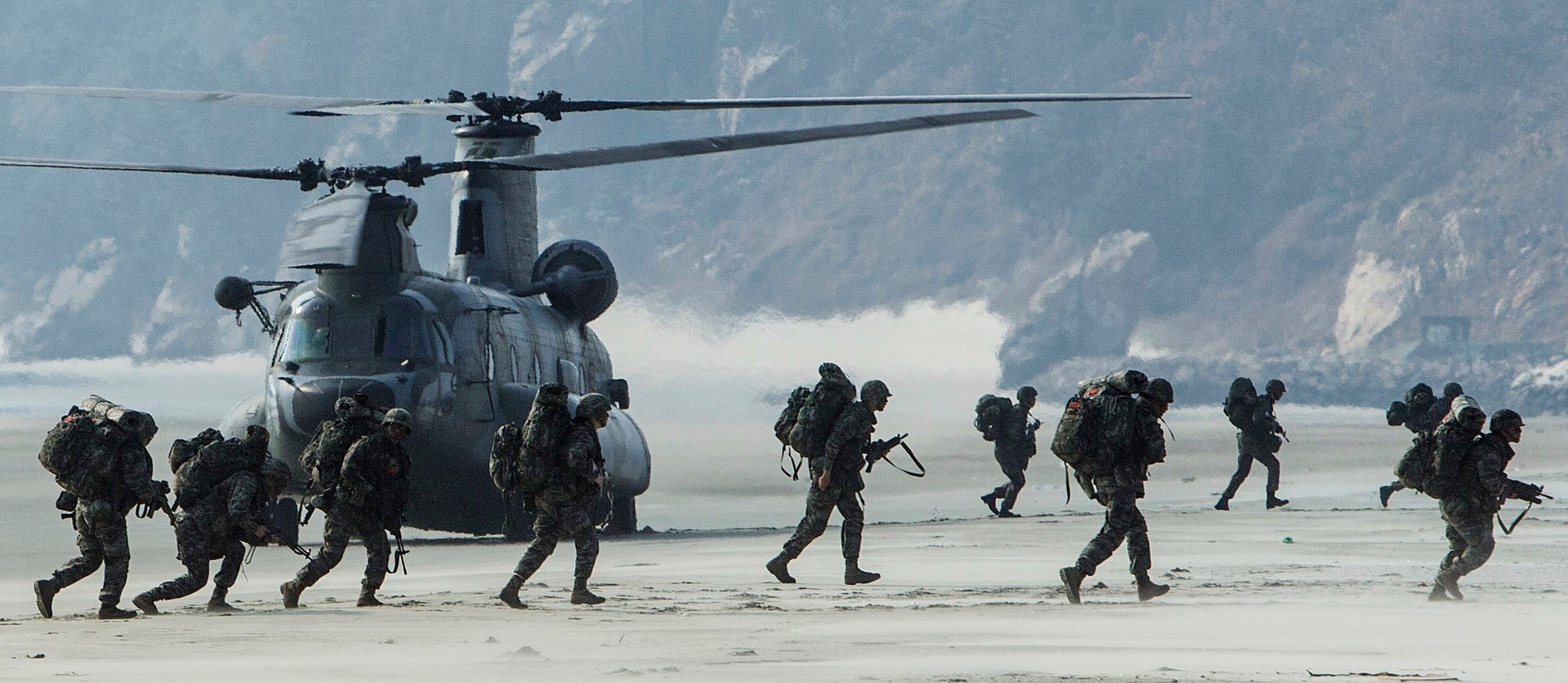 General 1920x836 military helicopters beach soldier Boeing CH-47 Chinook South Korea Republic of Korea Armed Forces military aircraft