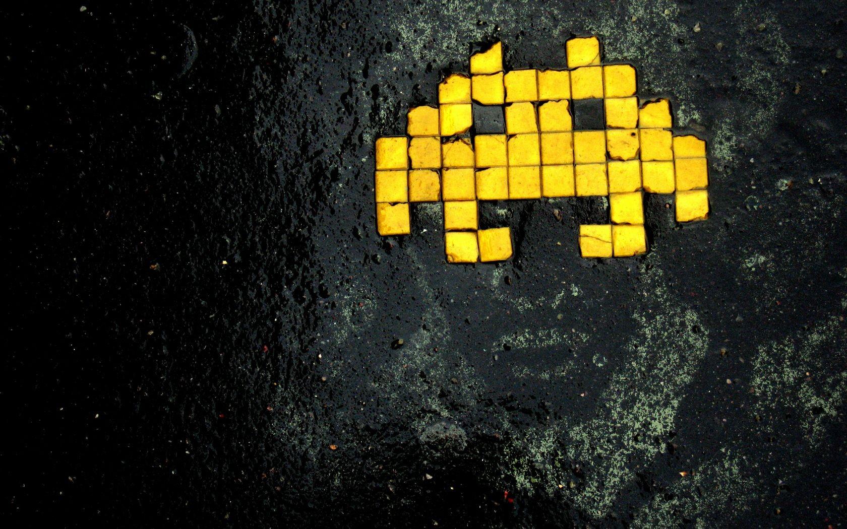 General 1680x1050 Space Invaders artwork retro games grunge yellow wet street macro black wet face pixel art asphalt