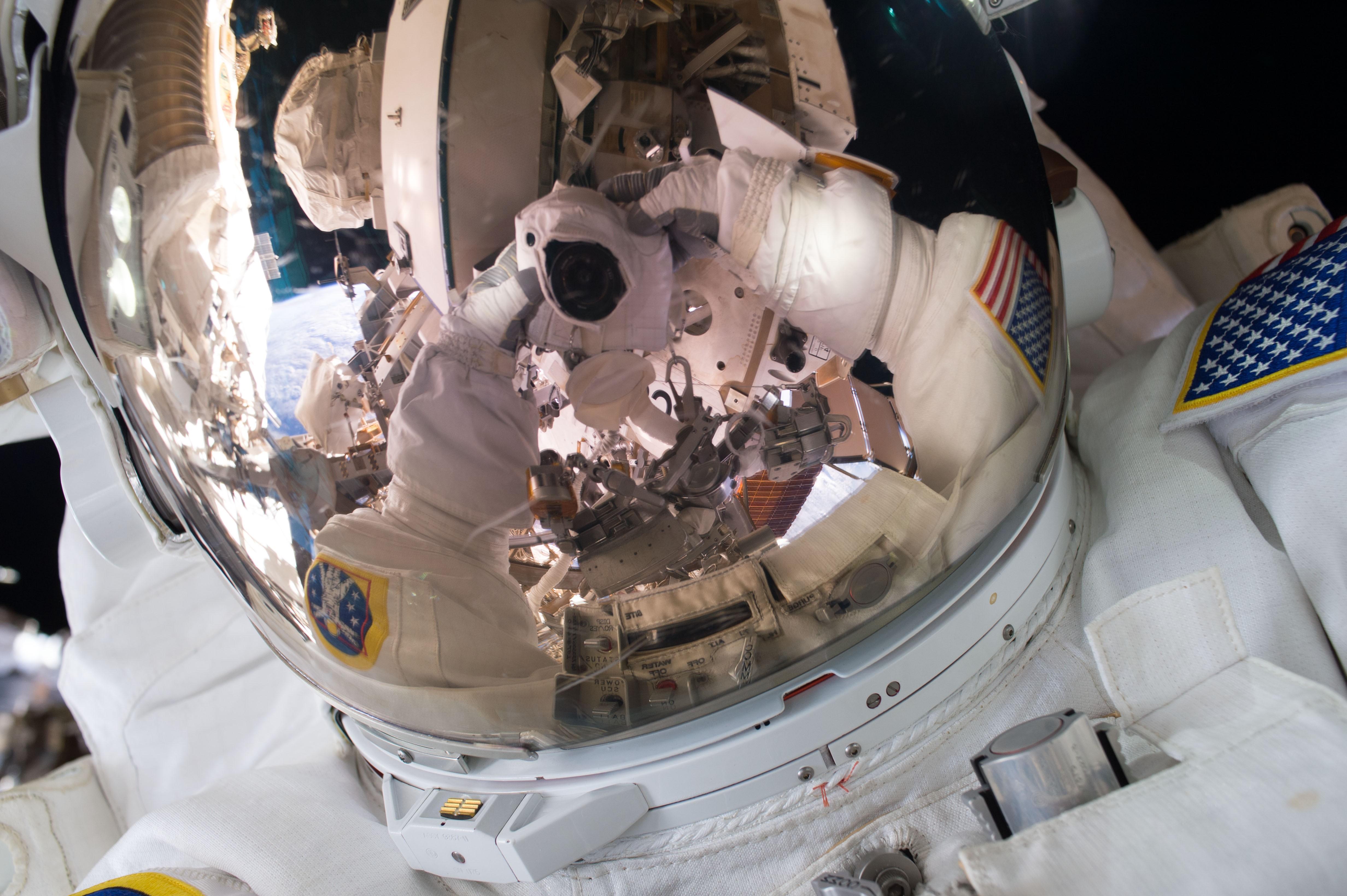 General 4928x3280 space universe astronaut