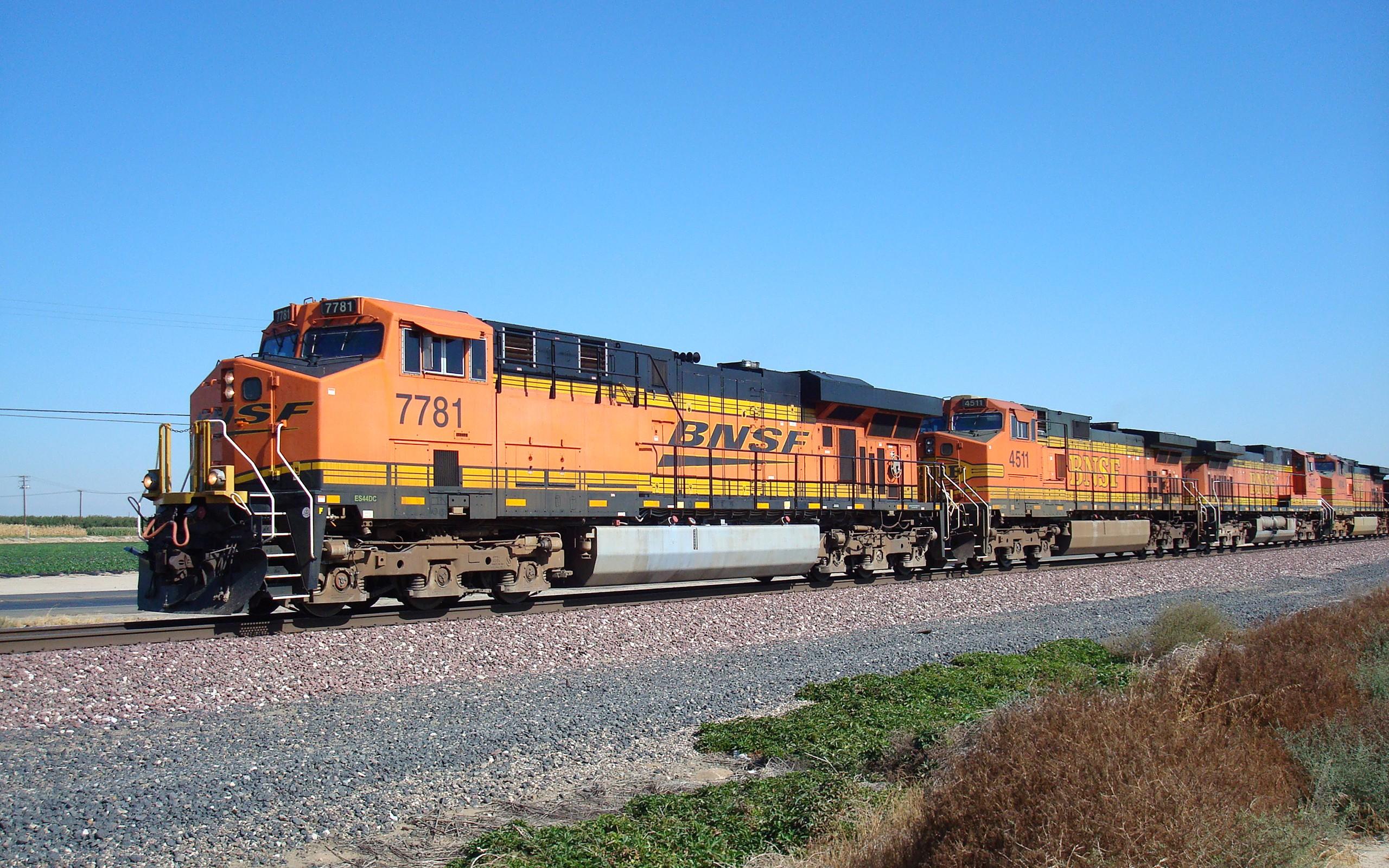 General 2560x1600 freight train diesel locomotive train