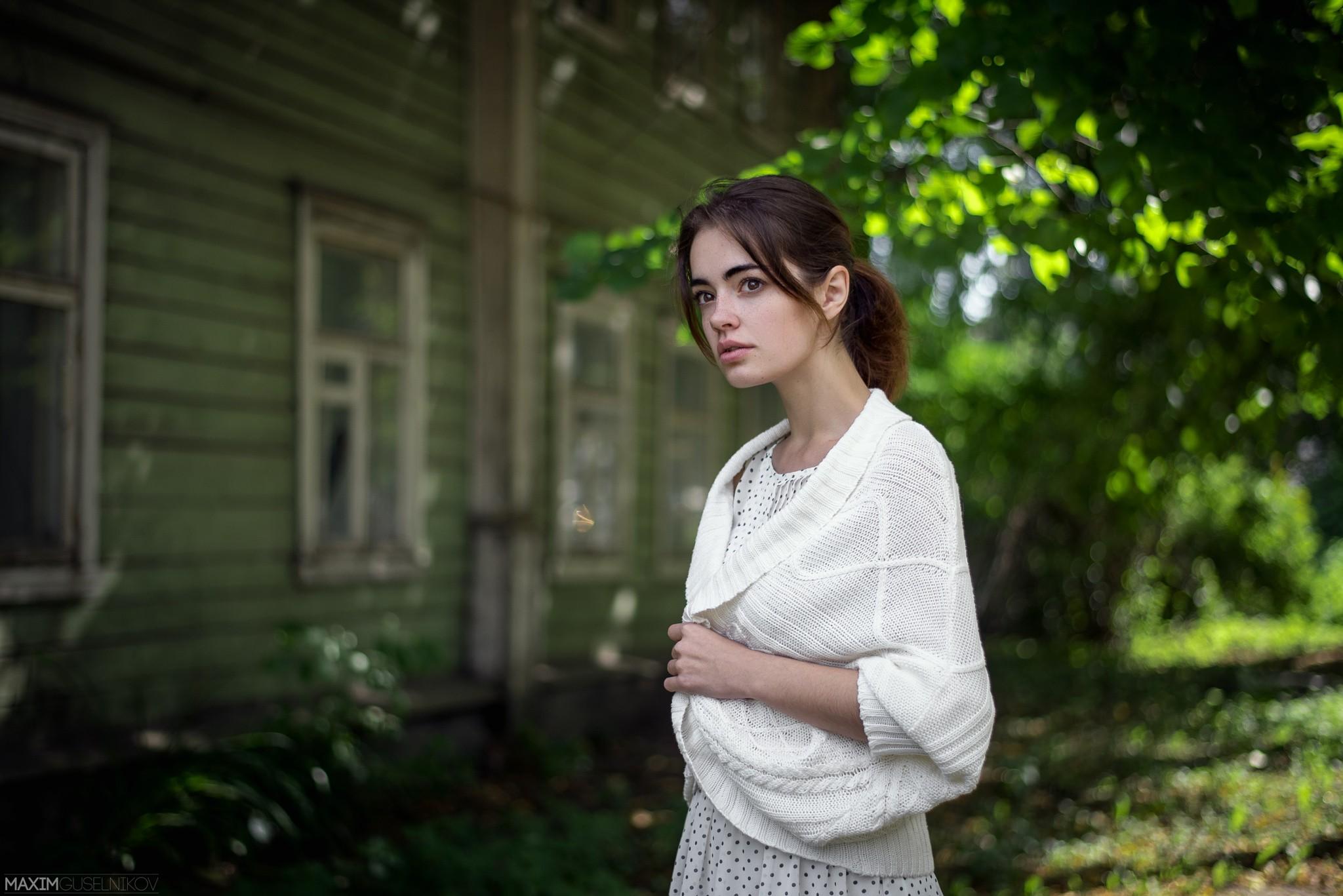People 2048x1367 women portrait Maxim Guselnikov Lidia Savoderova brunette