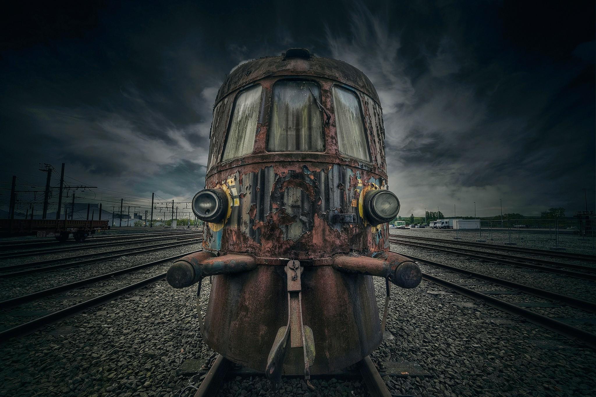 General 2048x1365 train vehicle old railway railroad track locomotive