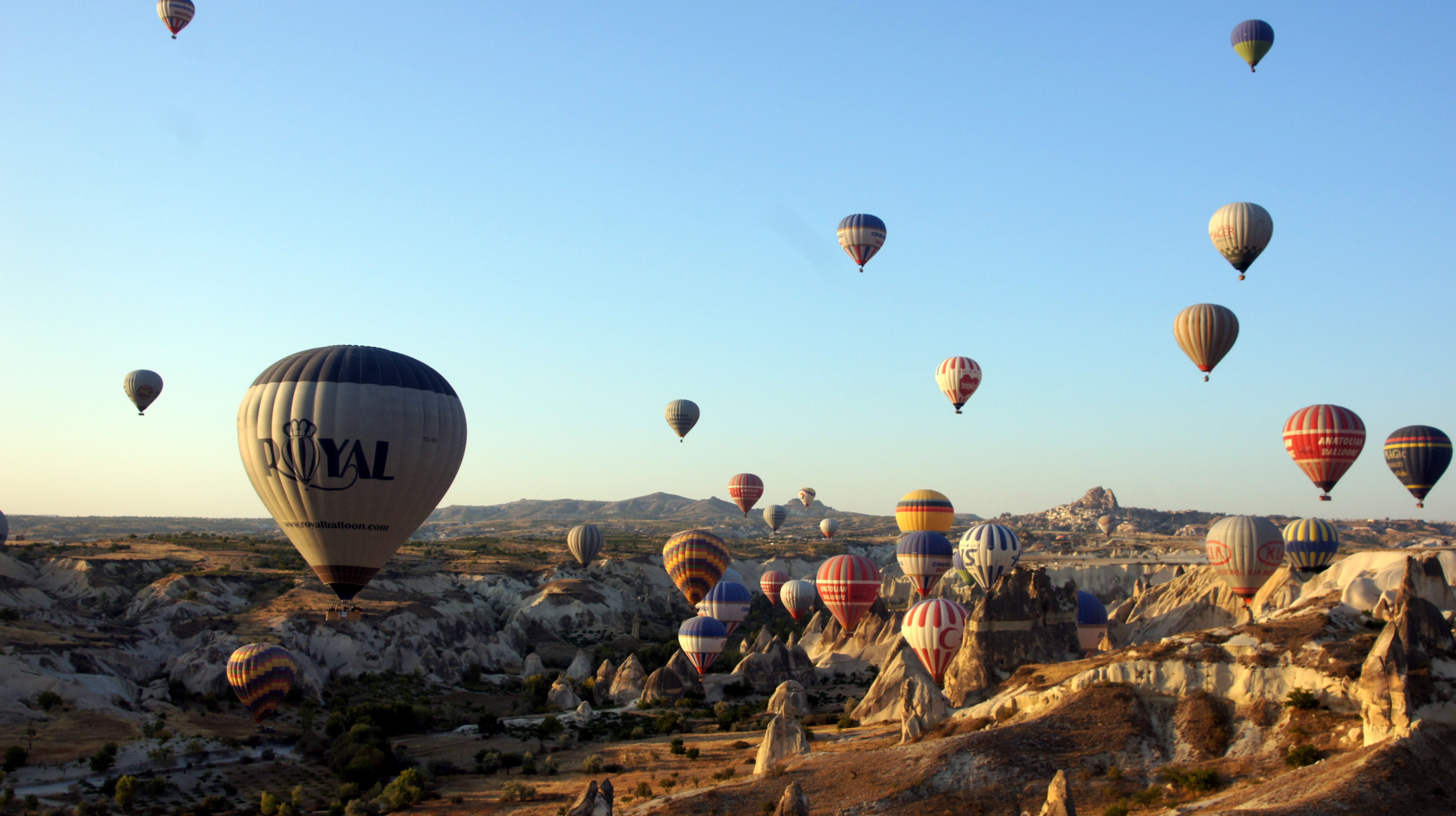 General 3568x2000 hot air balloons Turkey landscape Cappadocia rock formation
