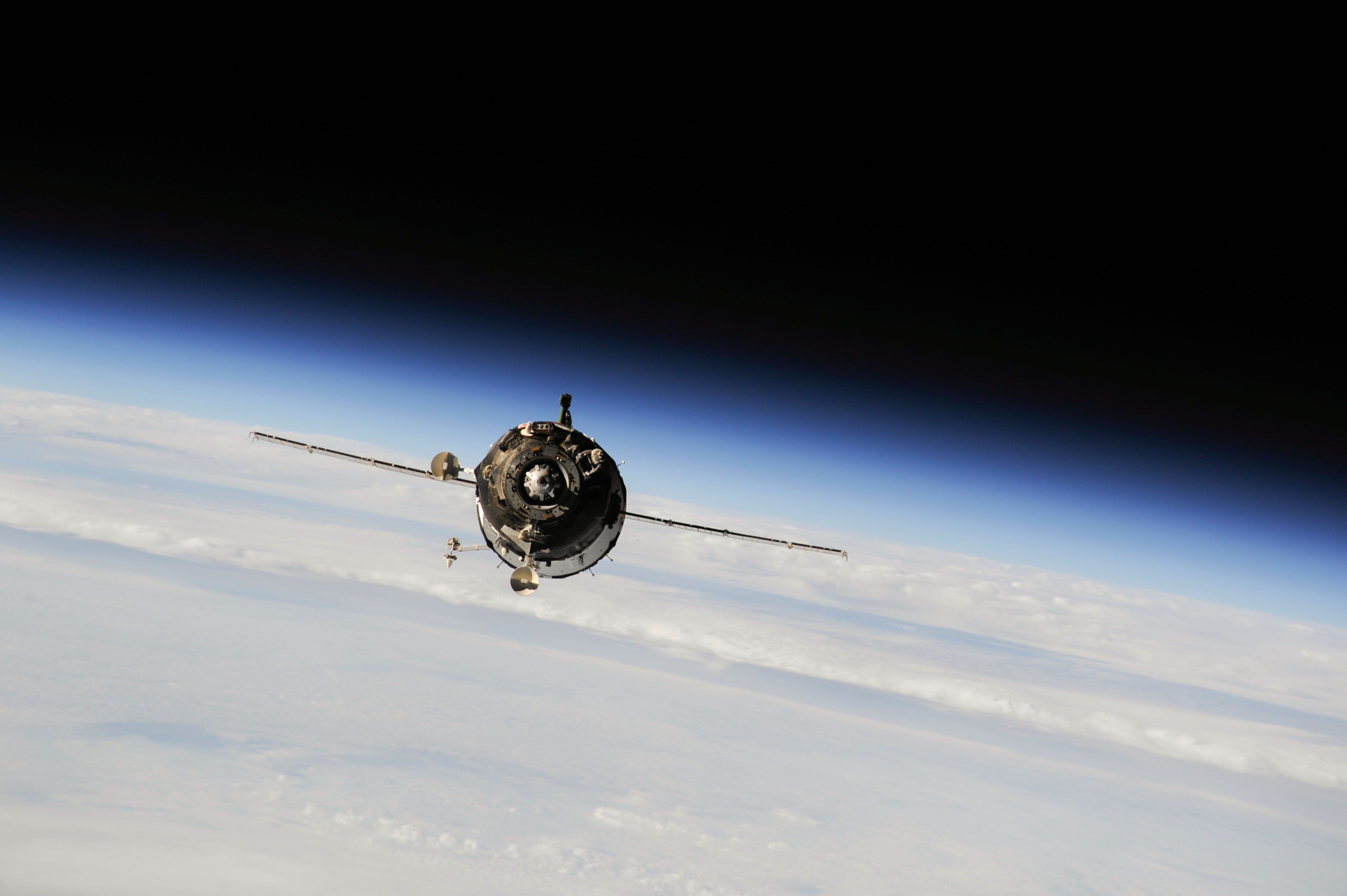 General 4256x2832 photography space Earth spaceship Soyuz