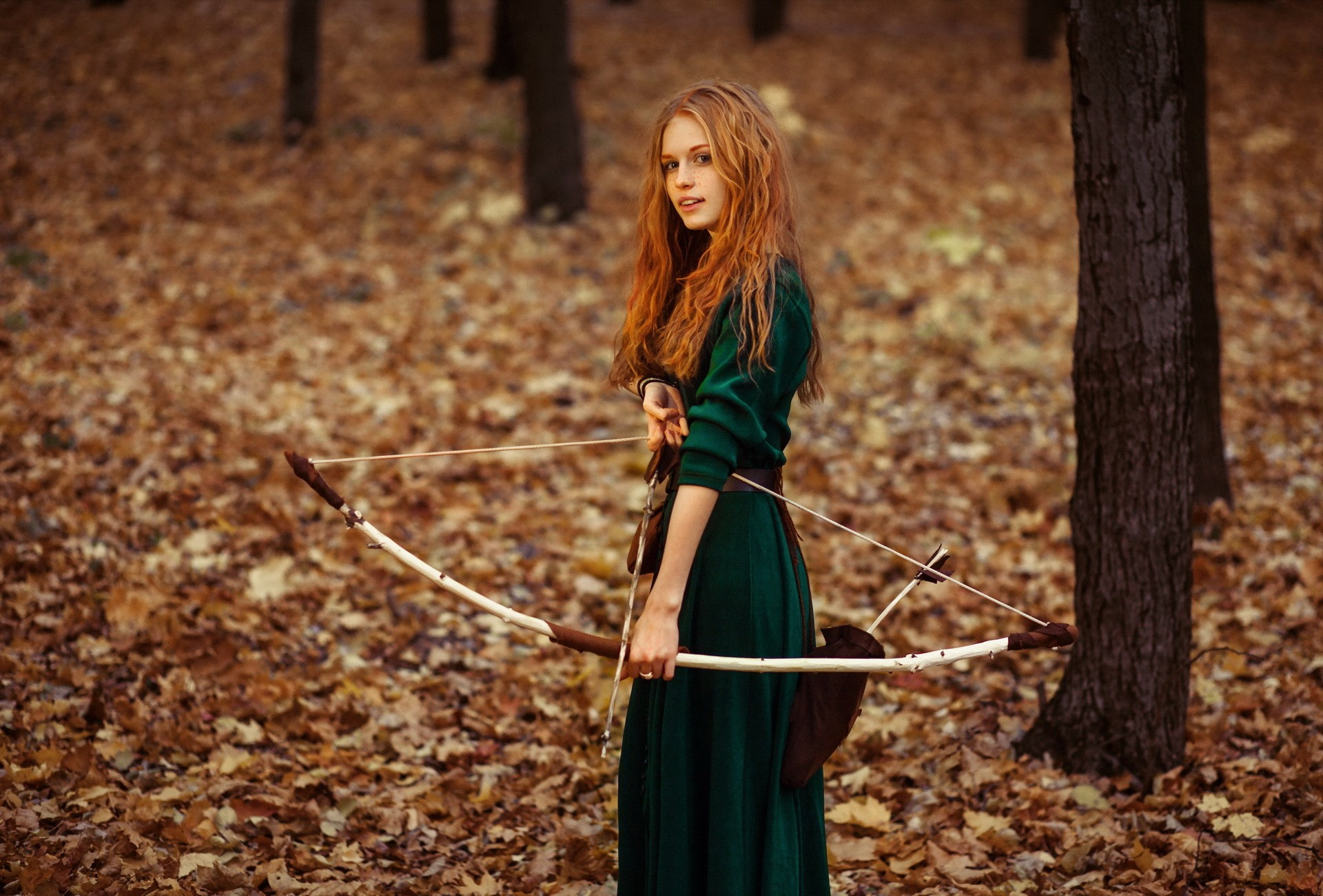 People 1920x1301 women archer redhead long hair archery Princess Merida arrows bow women outdoors leaves fall depth of field bokeh trees forest green dress green clothing dress leather belt belt quiver young woman