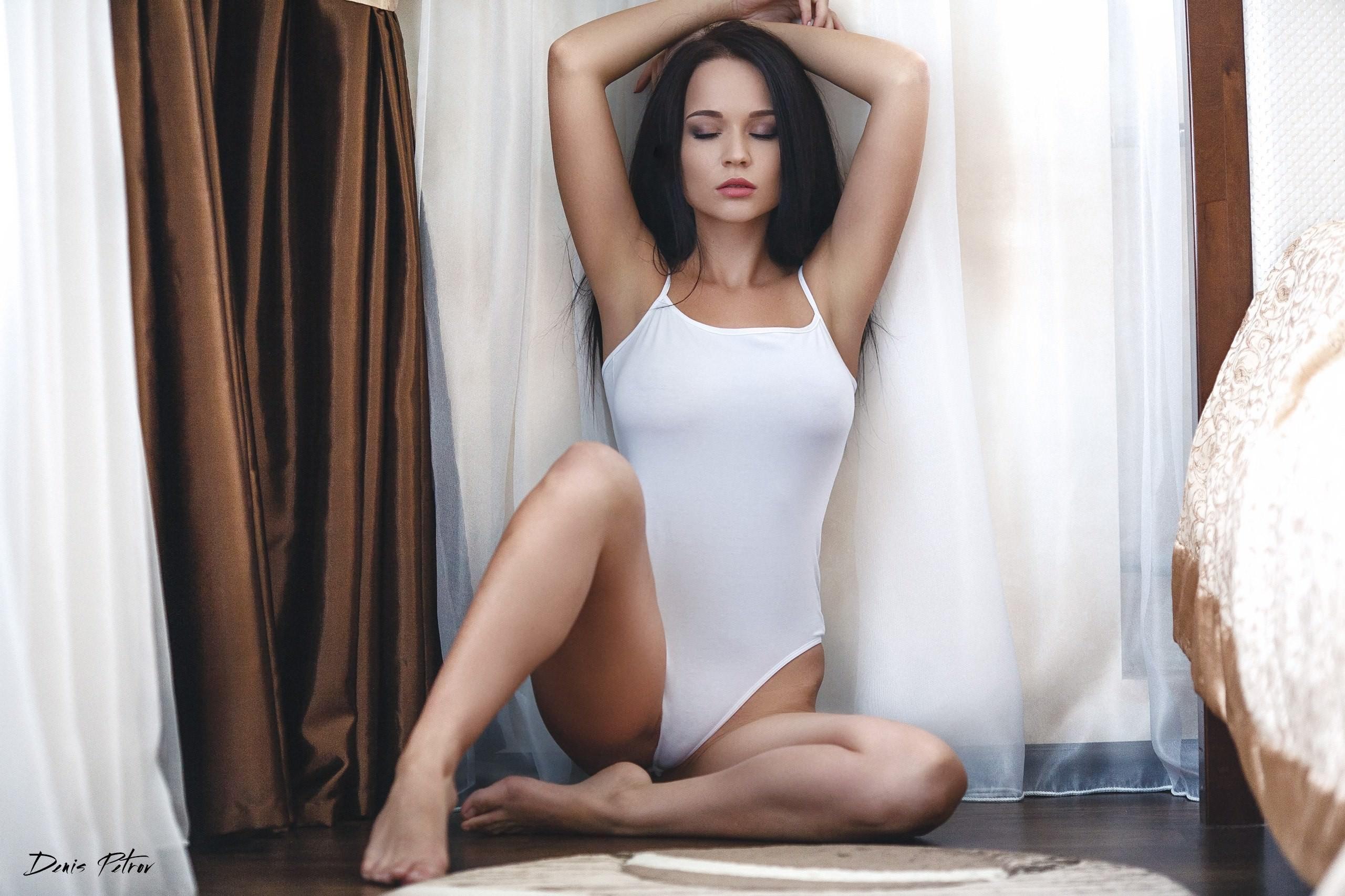 People 2560x1707 women Angelina Petrova closed eyes one-piece swimsuit sitting Denis Petrov tiptoe