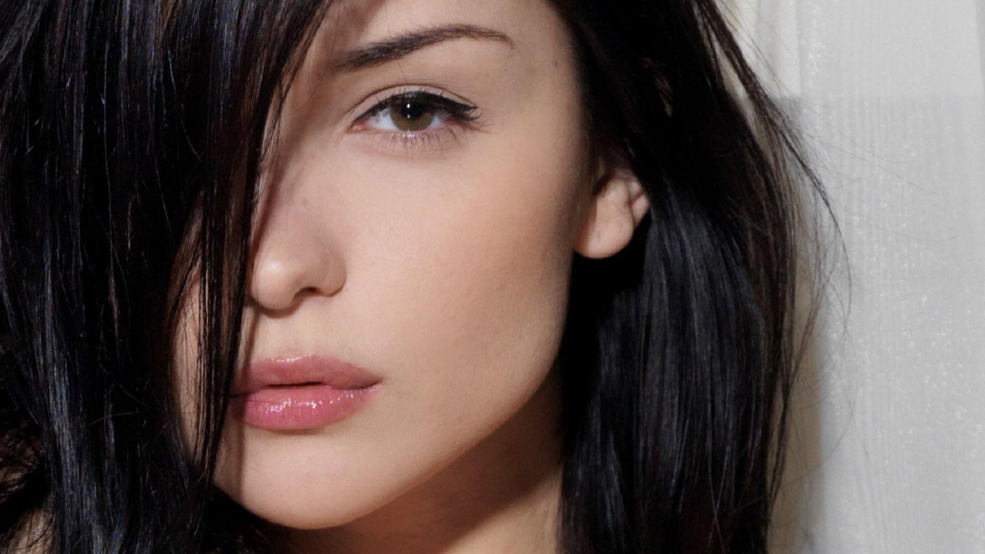 People 1920x1080 Katie Fey women model face closeup eyes lips black hair long hair brown eyes