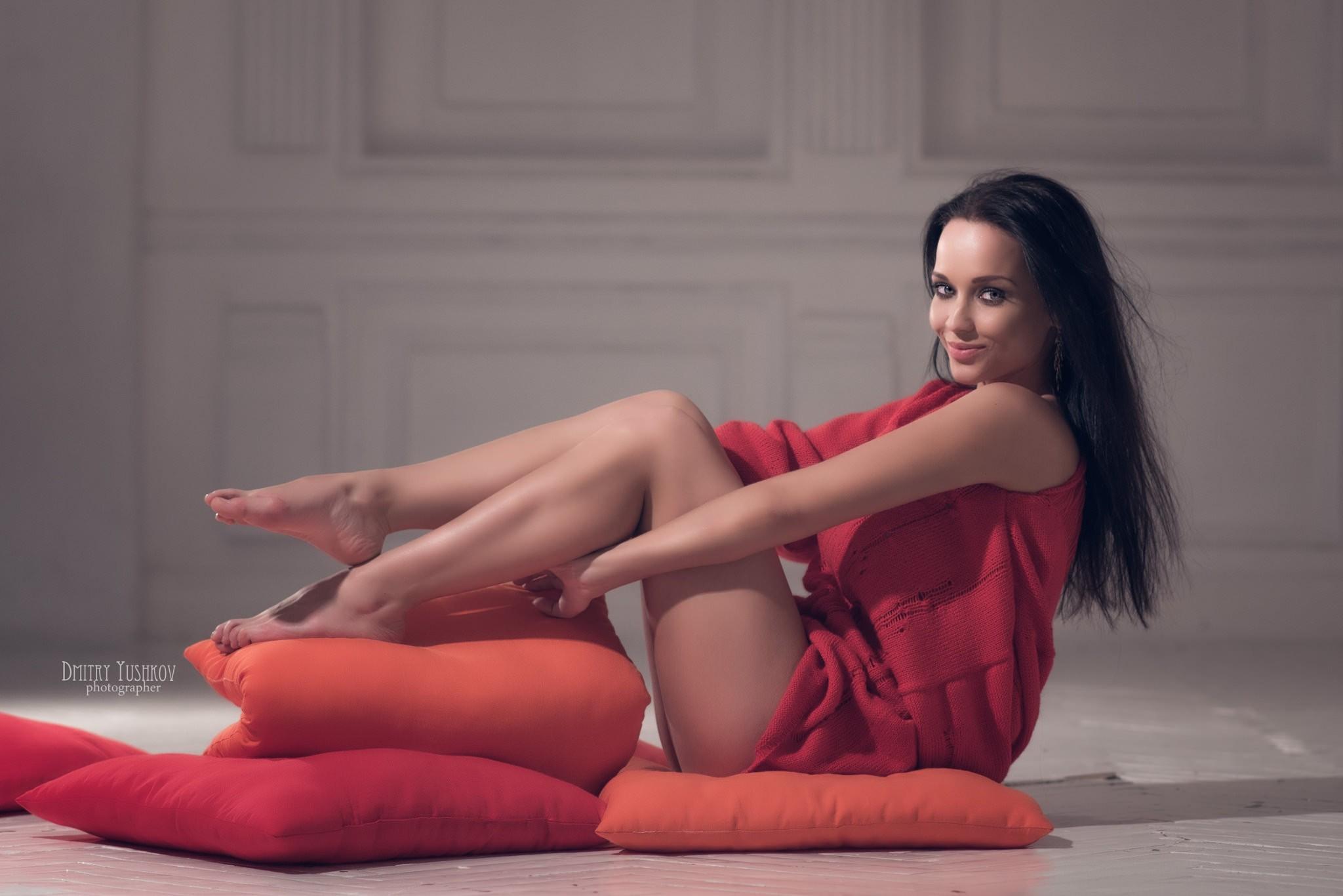 People 2048x1366 women Angelina Petrova smiling sitting portrait Dmitry Yushkov tiptoe