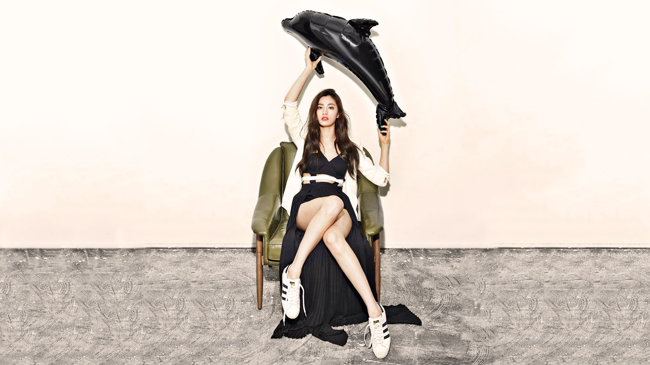 People 2660x1496 K-pop Nana After School Orange Caramel legs Korean women chair sitting model