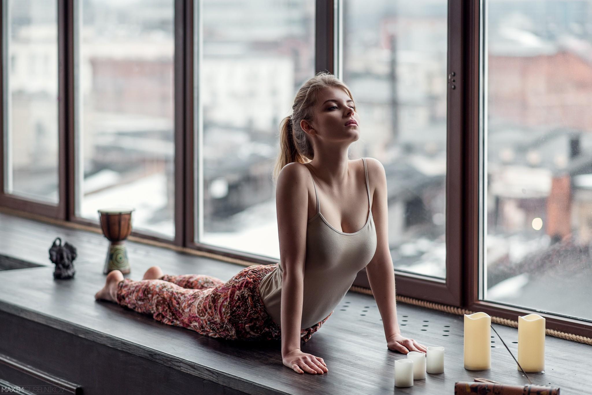 People 2048x1367 Maxim Guselnikov women blonde ponytail big boobs tank top yoga Irina Popova stretching