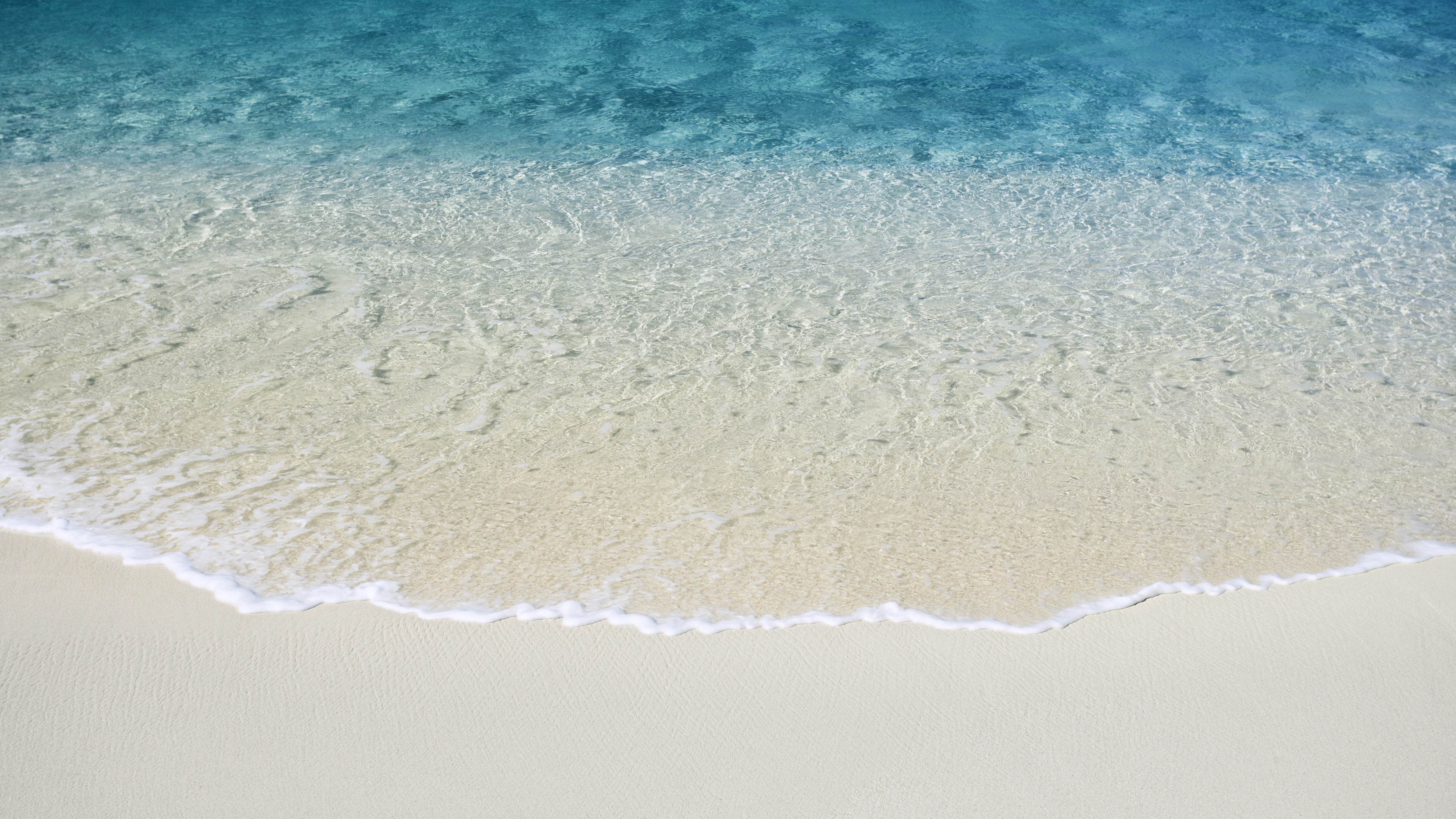 General 5120x2880 water sand beach