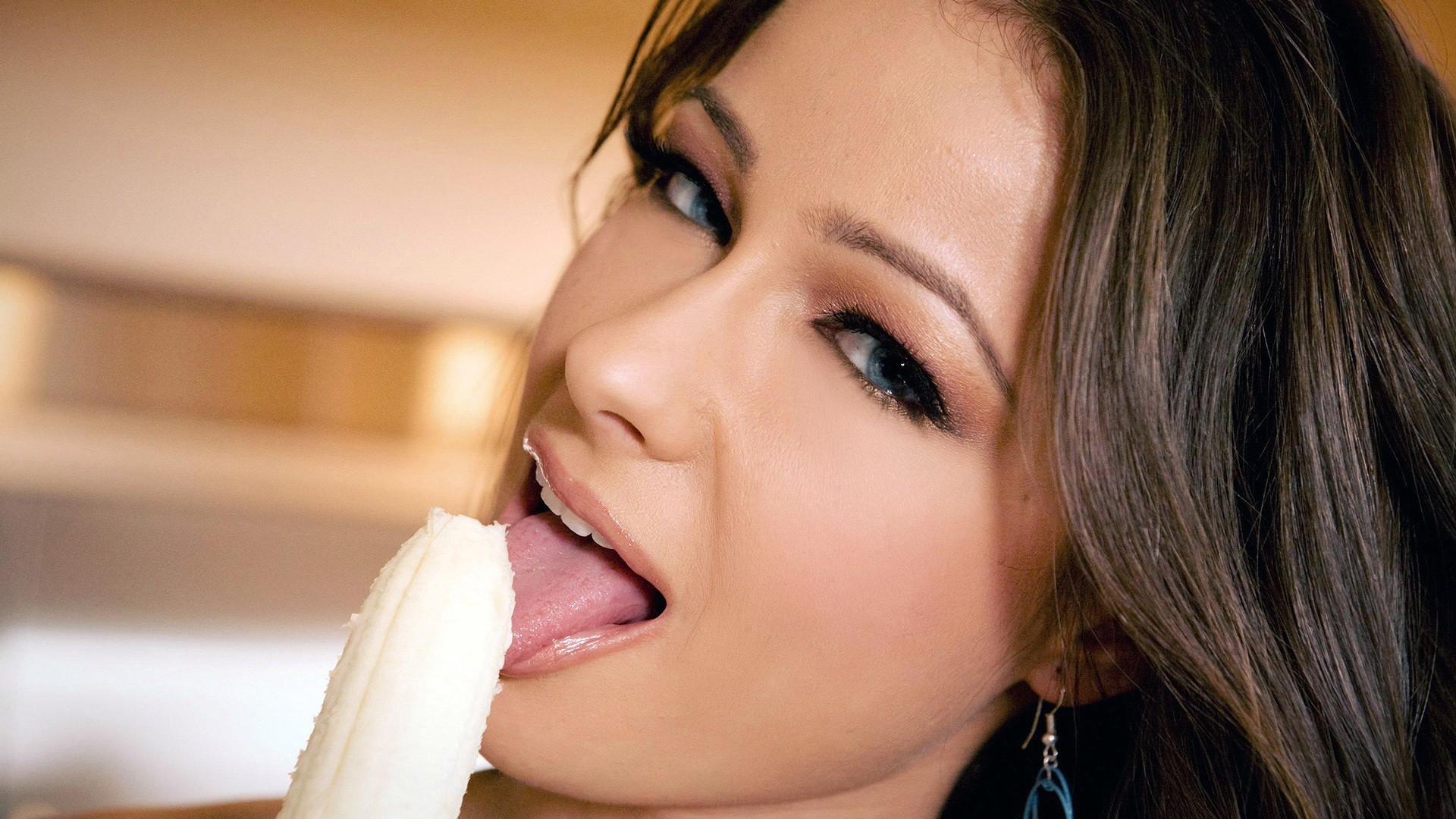 People 1920x1080 women licking Kristina Uhrinova innuendo bananas phallic symbol