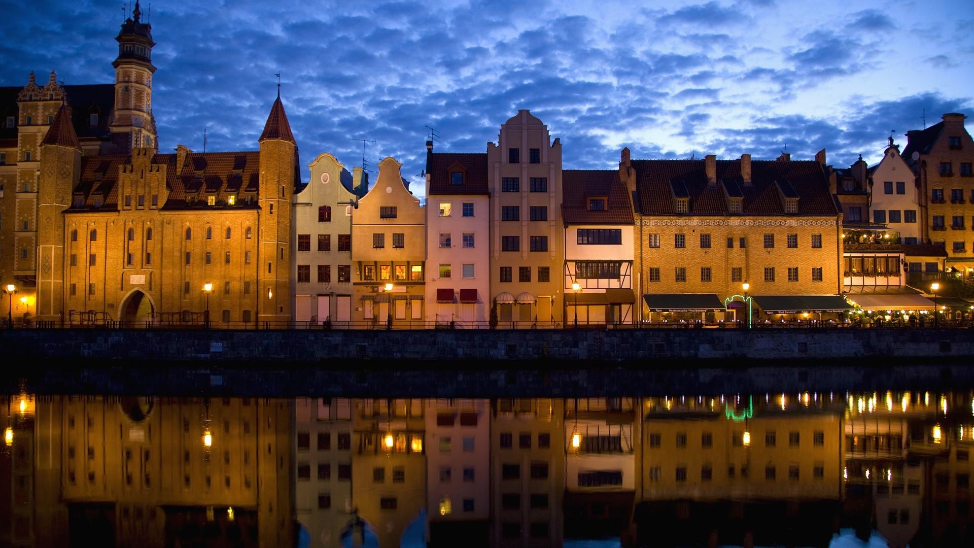 General 1920x1080 city building architecture reflection river water clouds night lights Gdańsk Poland symmetry Polish Motława River