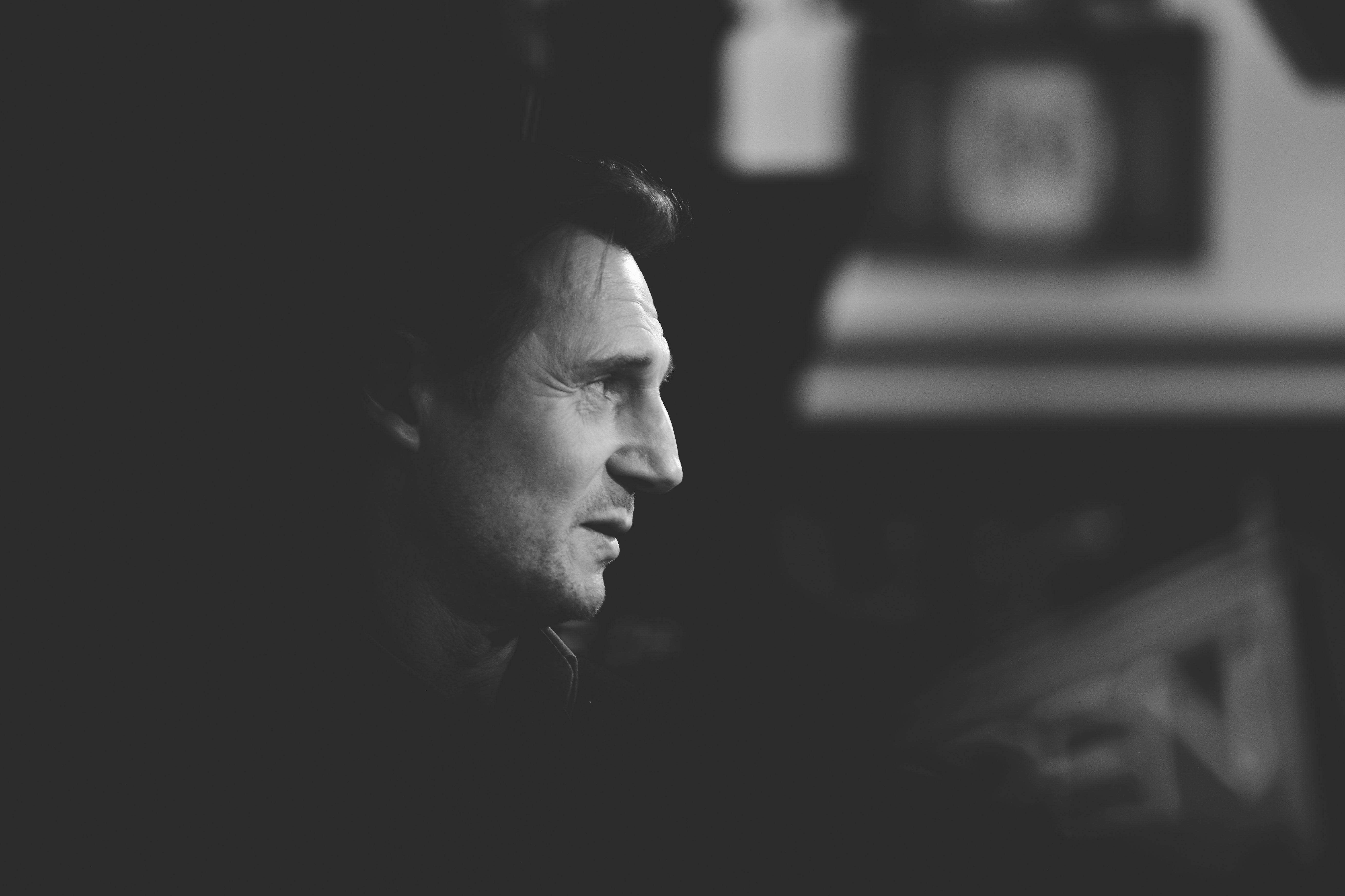 People 5520x3680 Liam Neeson monochrome actor dark