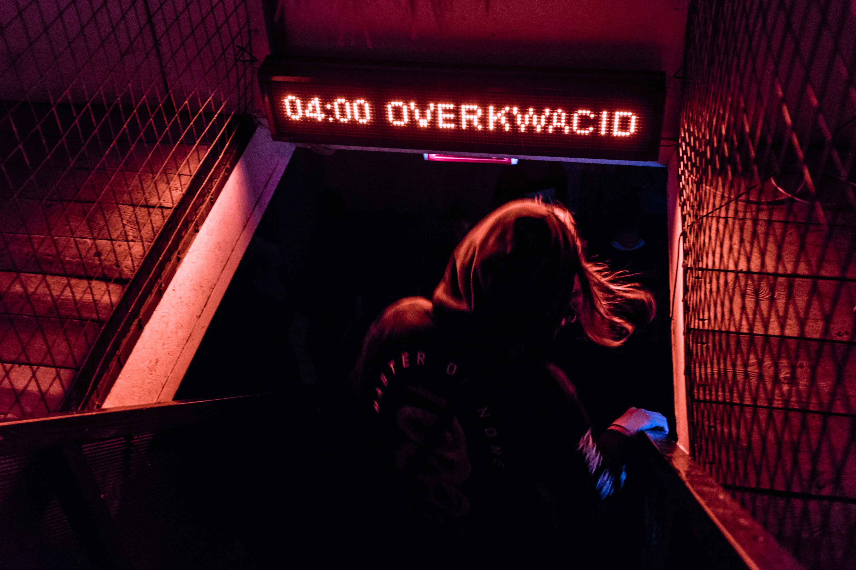 General 3000x2000 Moscow Russia neon women night dark photography night view lights hair   silhouette glowing clubs urban techno music signs red tumbler