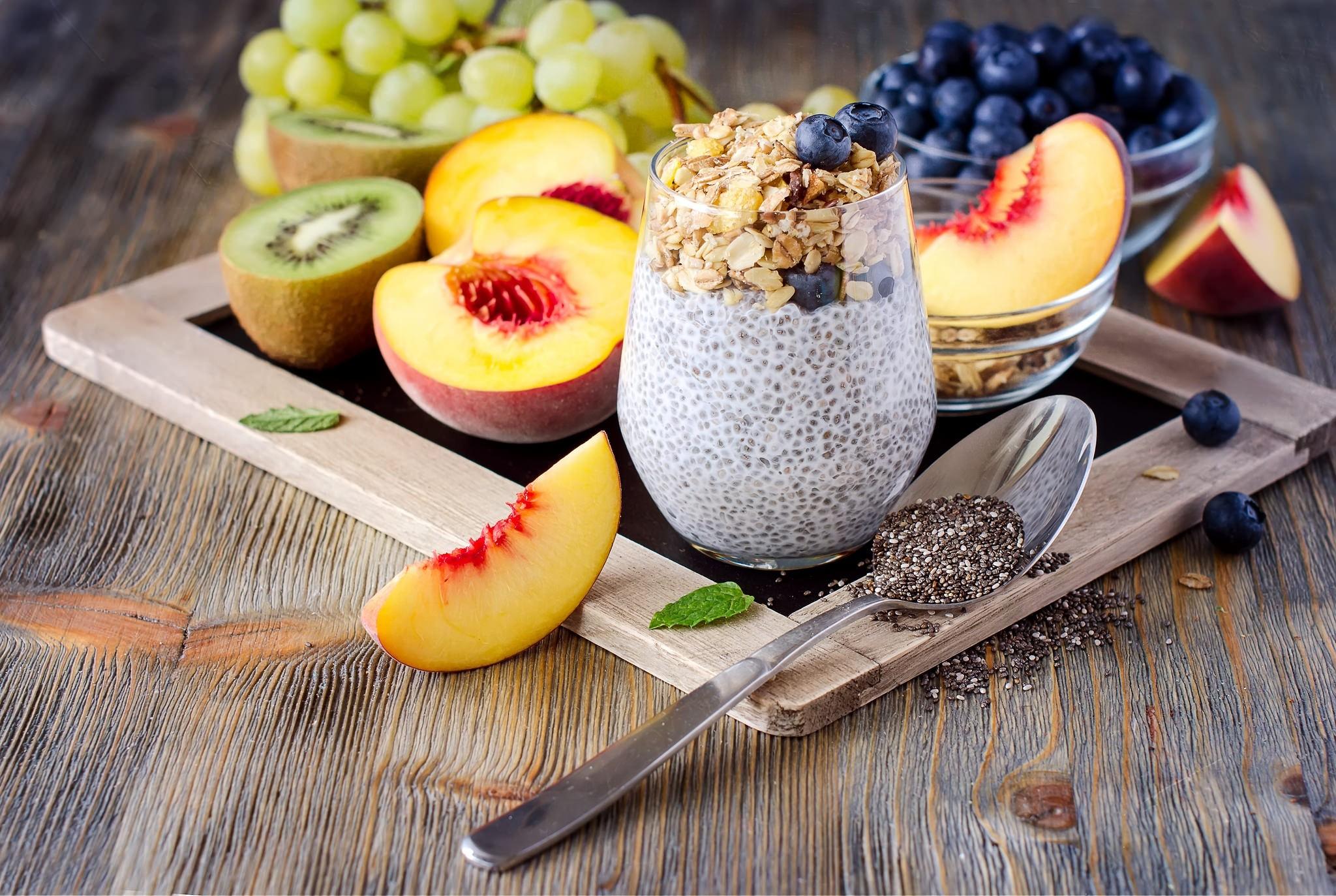 General 2048x1373 food spoon fruit blueberries peaches grapes kiwi (fruit) oatmeal mint