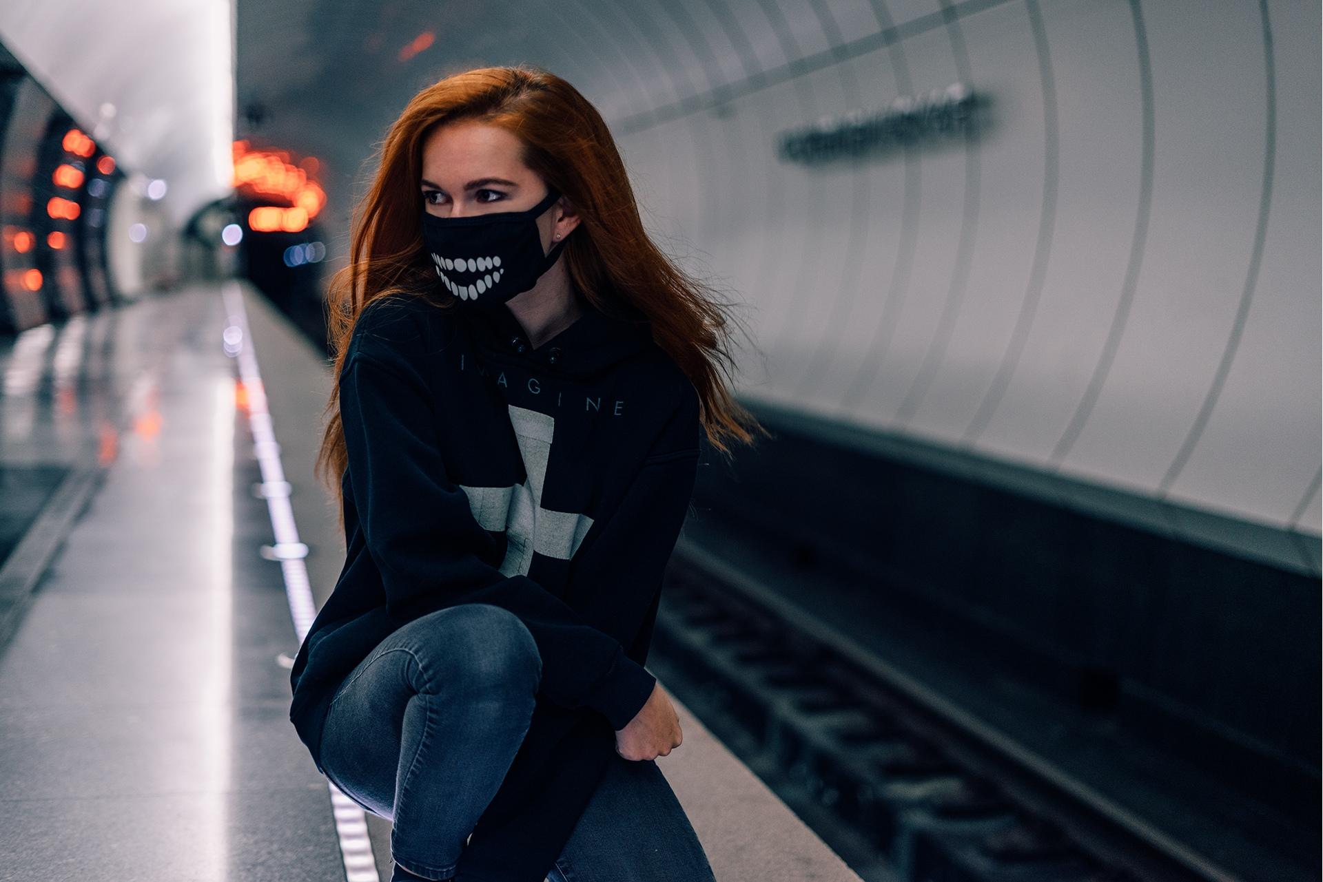 People 1920x1281 women model portrait looking away sweatshirts jeans subway mask long hair