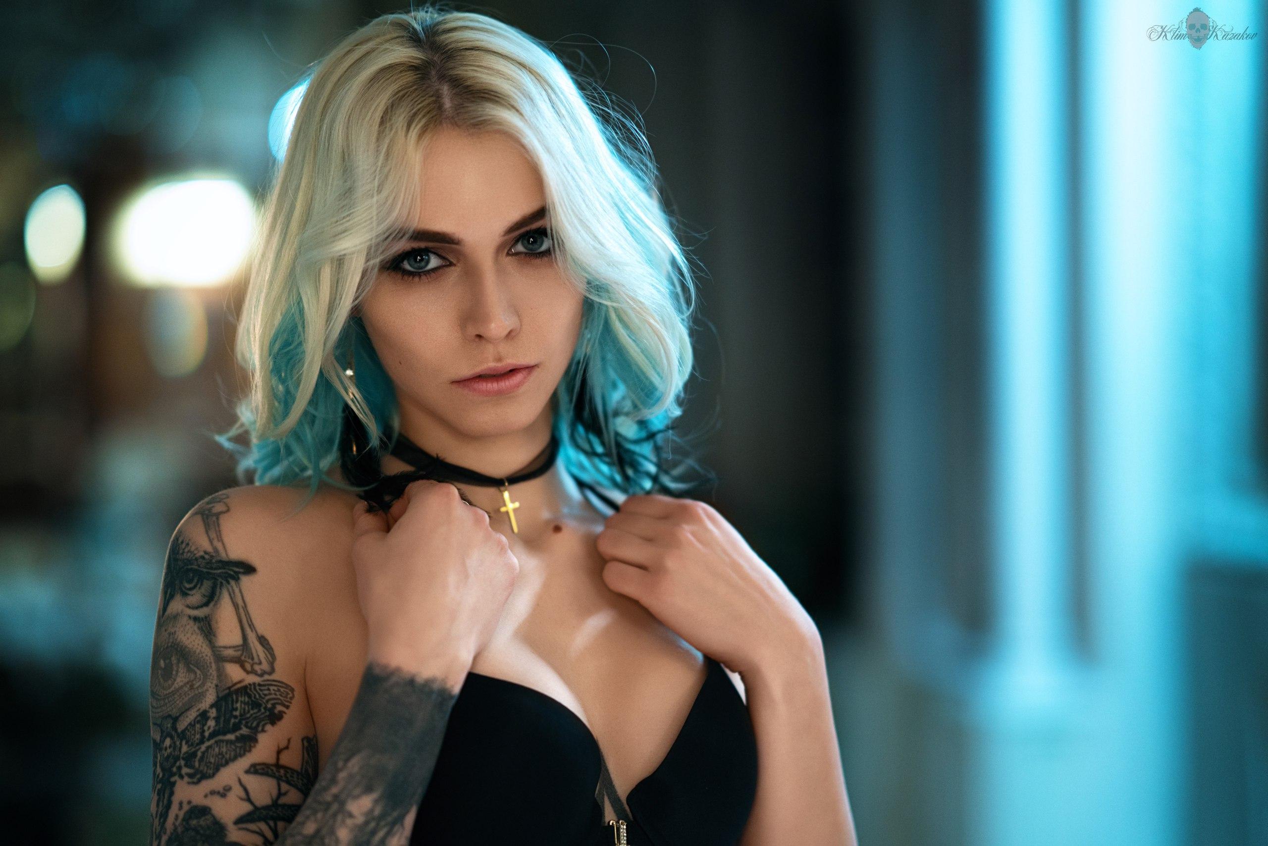 People 2560x1708 women blonde portrait face tattoo dyed hair blue eyes Jonni Forsberg