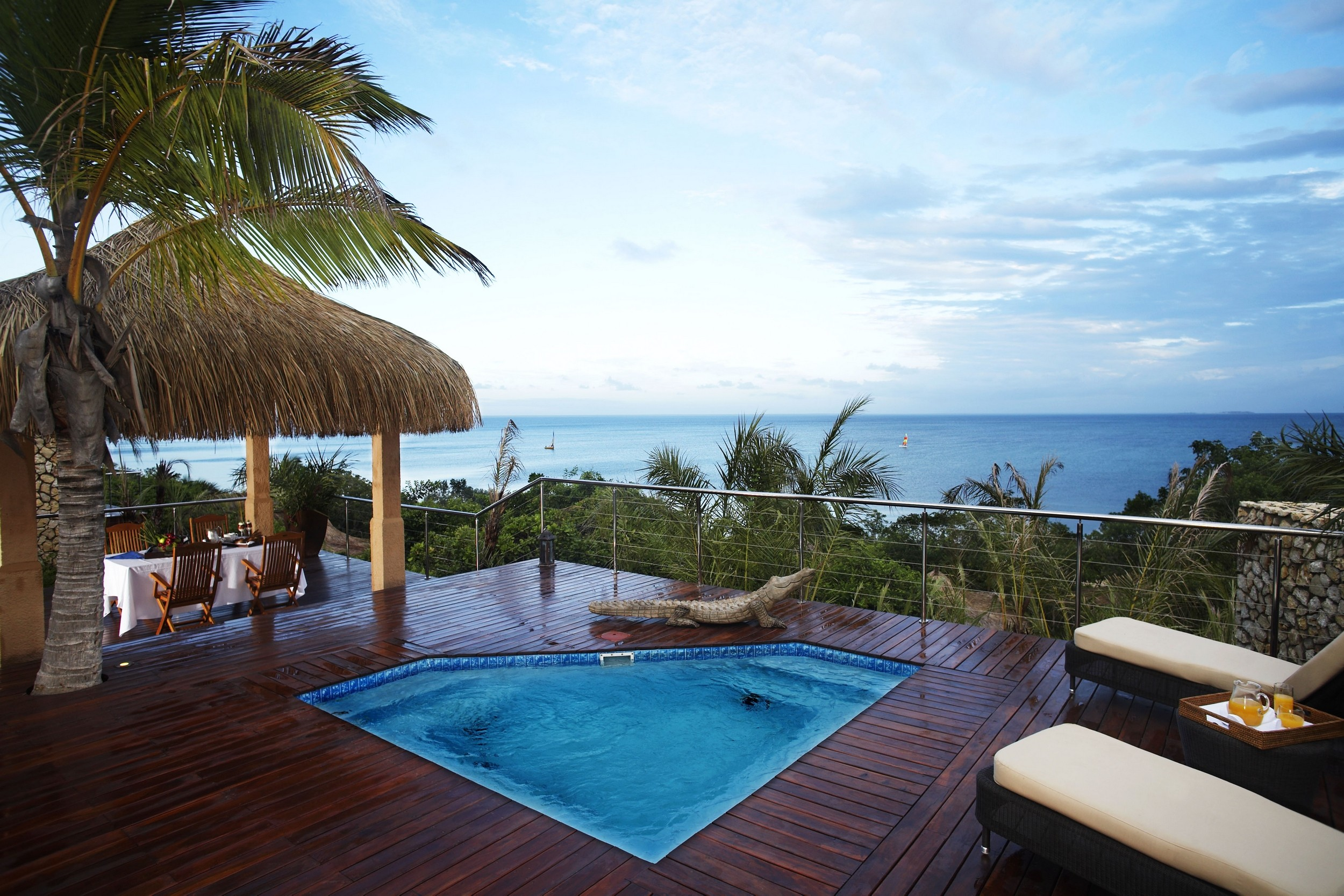 General 2500x1667 photography nature landscape resort luxury palm trees sea tropical Africa