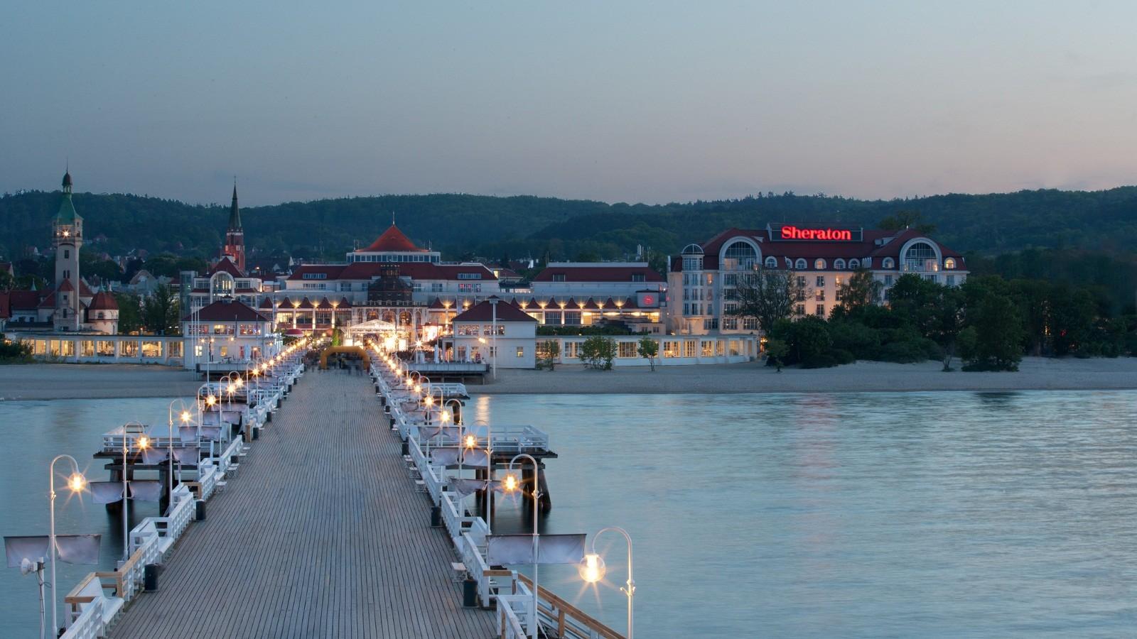 General 1600x900 Sopot Poland Polish pier town resort lights