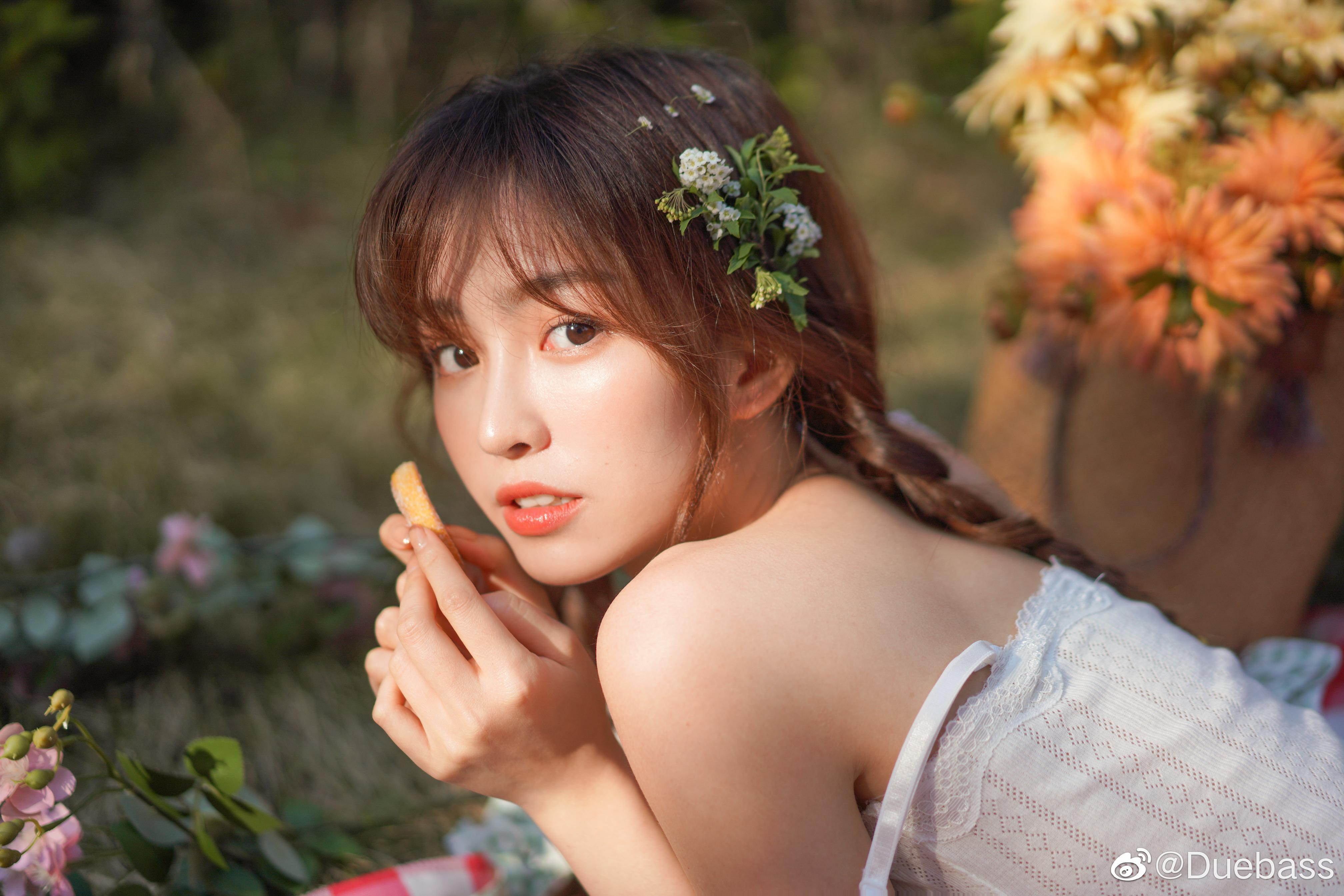 People 4032x2690 qiqi Duebass women Asian brunette flower in hair bare shoulders