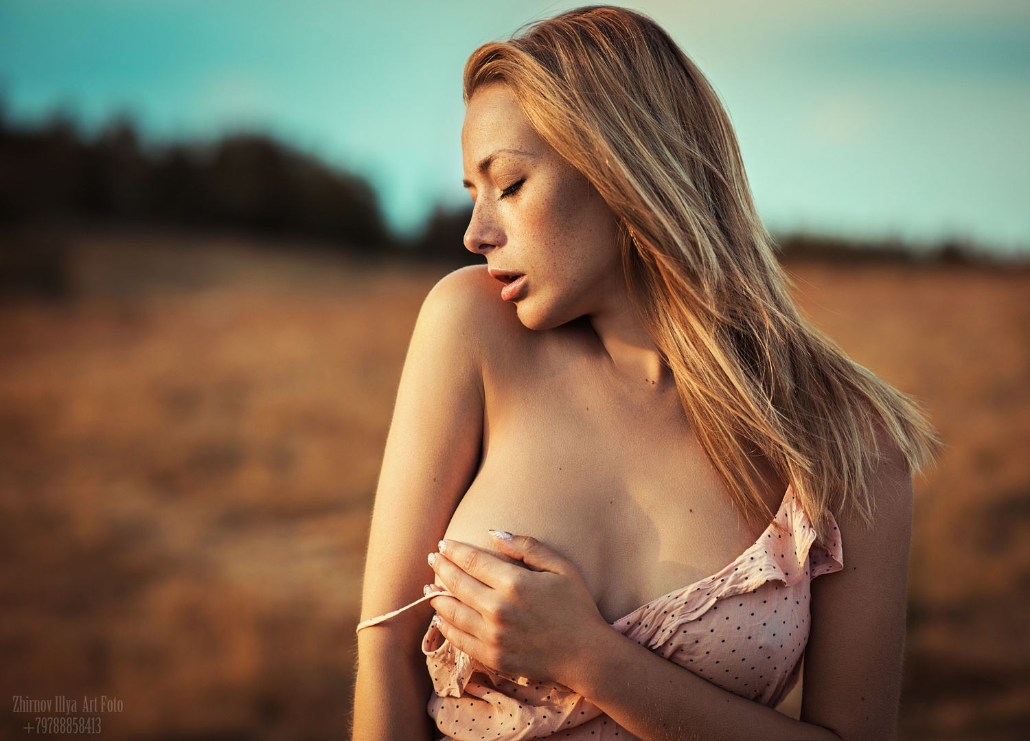 People 1500x1079 women Olga Kobzar women outdoors hand bra hand on boob closed eyes strategic covering Ilya Zhirnov