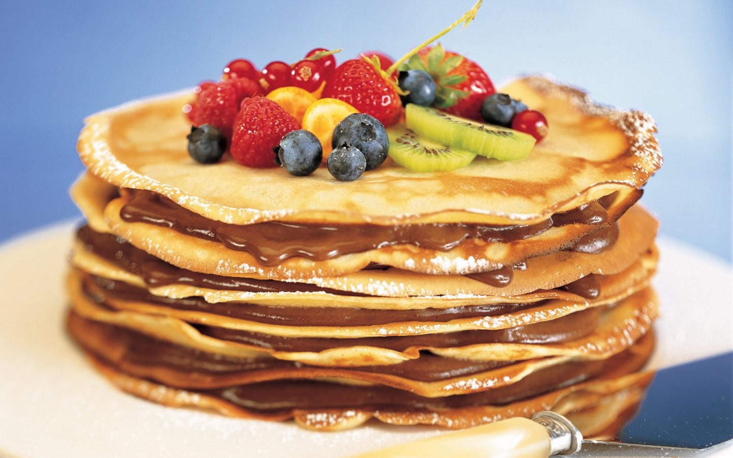 General 1440x900 food berries pancakes breakfast strawberries blueberries kiwi (fruit)