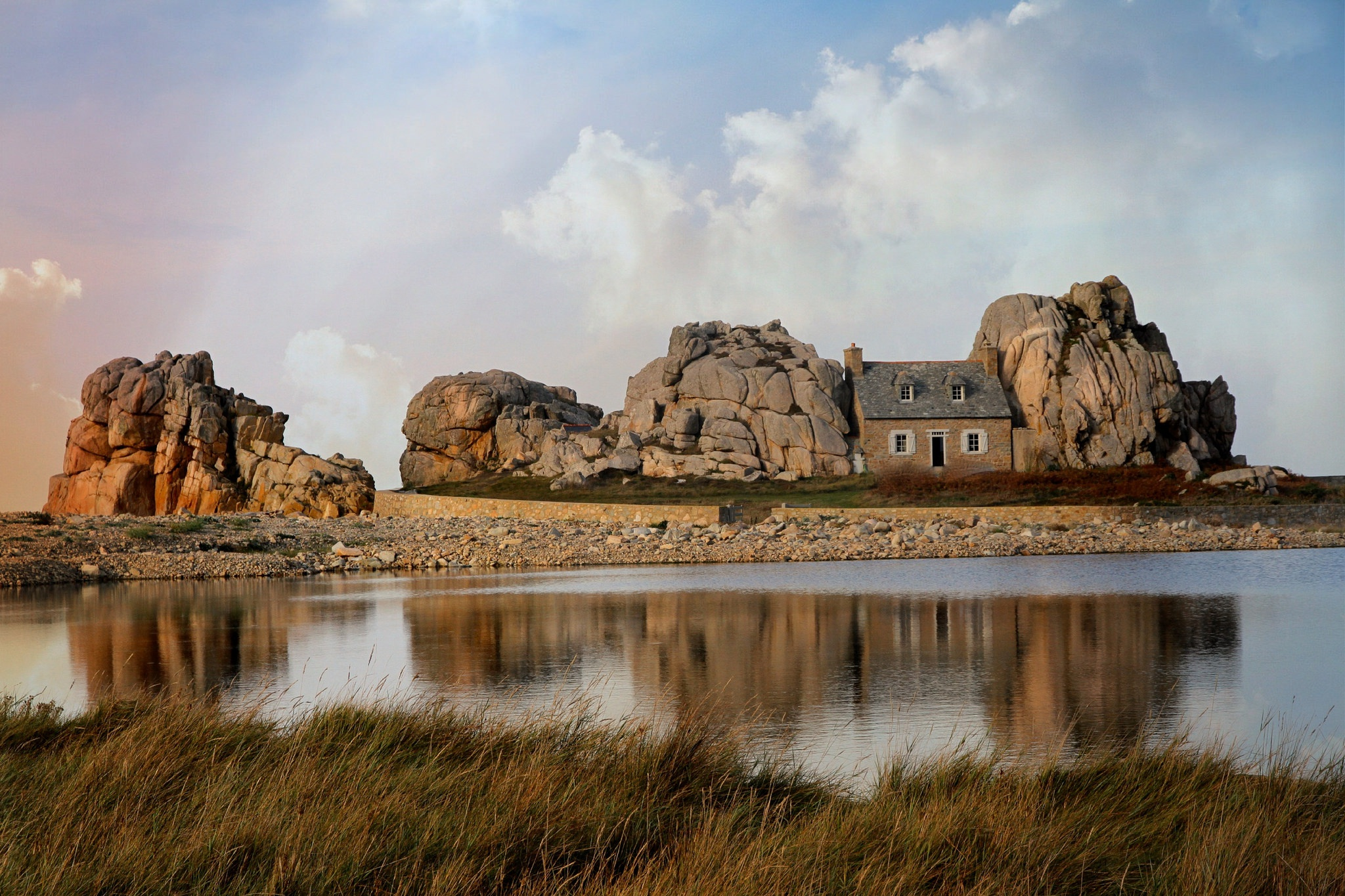 General 2048x1365 house building outdoors sky clouds water Plougrescant France Castel Meur