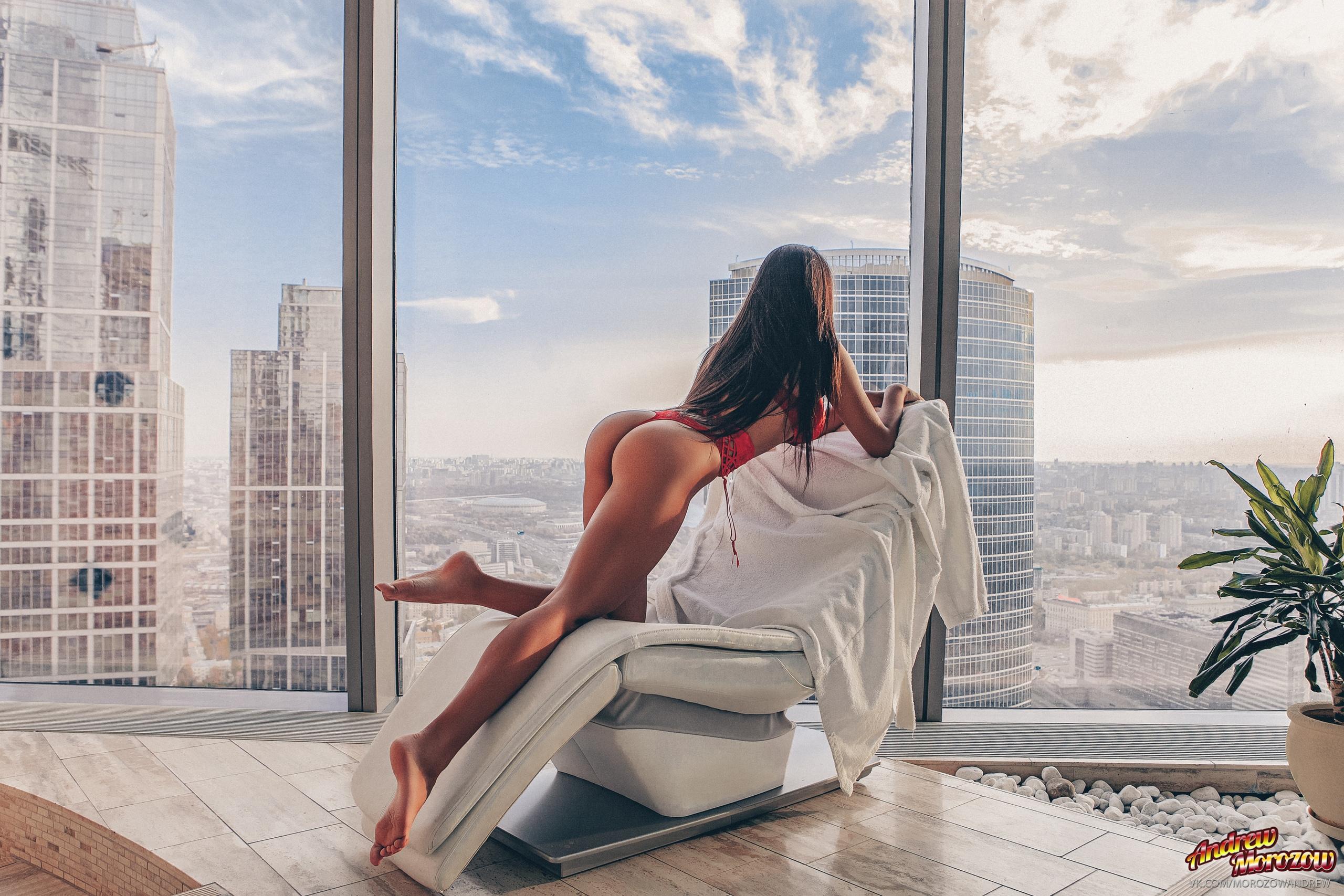 Wallpaper : women, long hair, brunette, barefoot, sitting