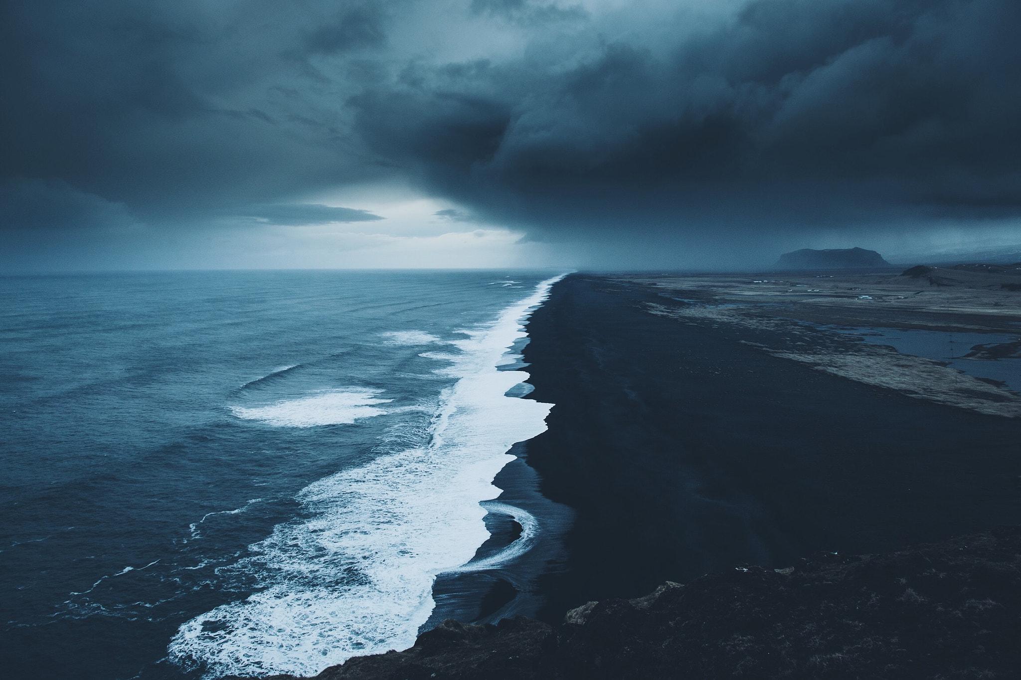 General 2048x1364 landscape Daniel Casson coast shore storm Iceland blue gray black sand overcast sea waves horizon