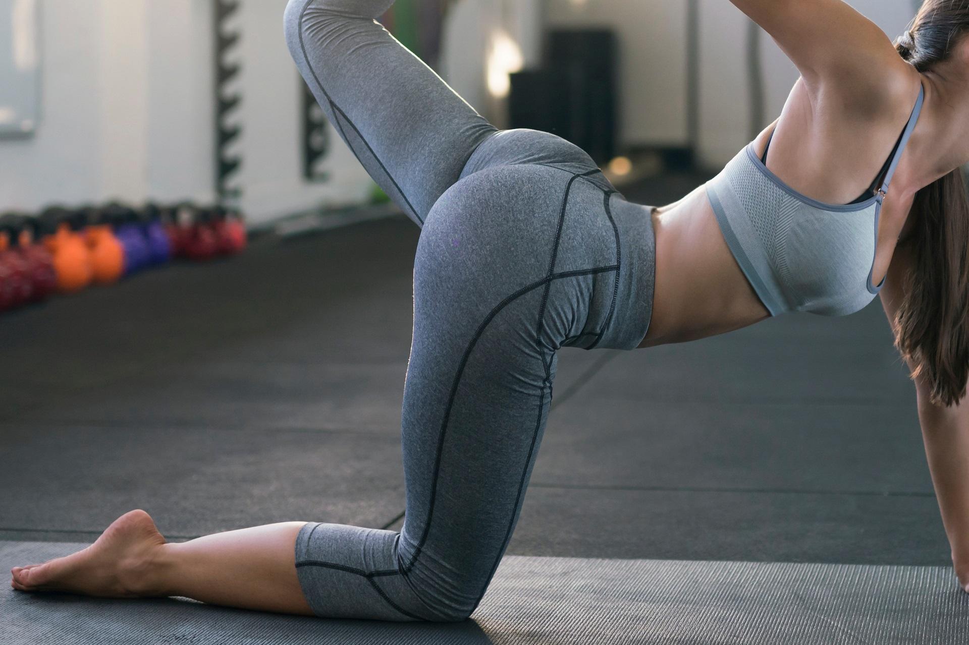People 1920x1279 women model ass legs yoga yoga pose yoga pants feet sports bra sportswear skinny fitness model pointed toes