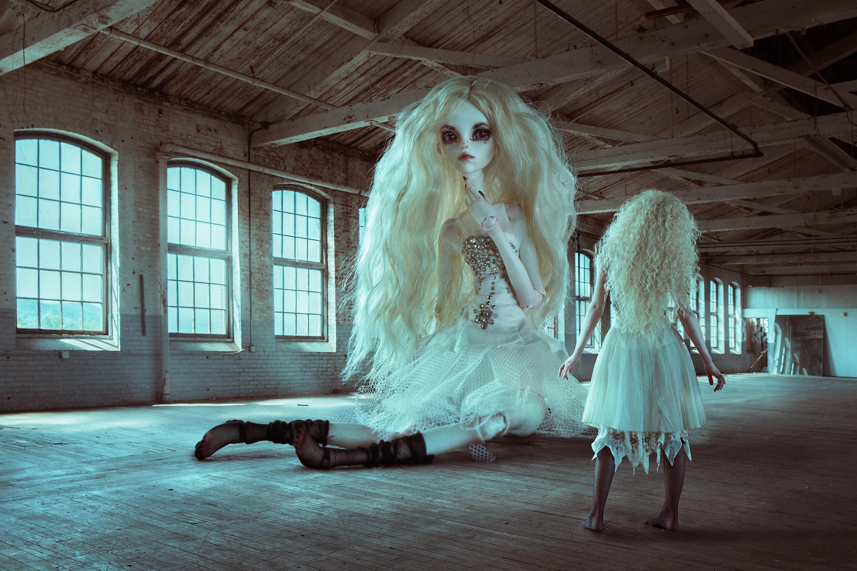 People 2880x1920 women blonde puppets women indoors creepy