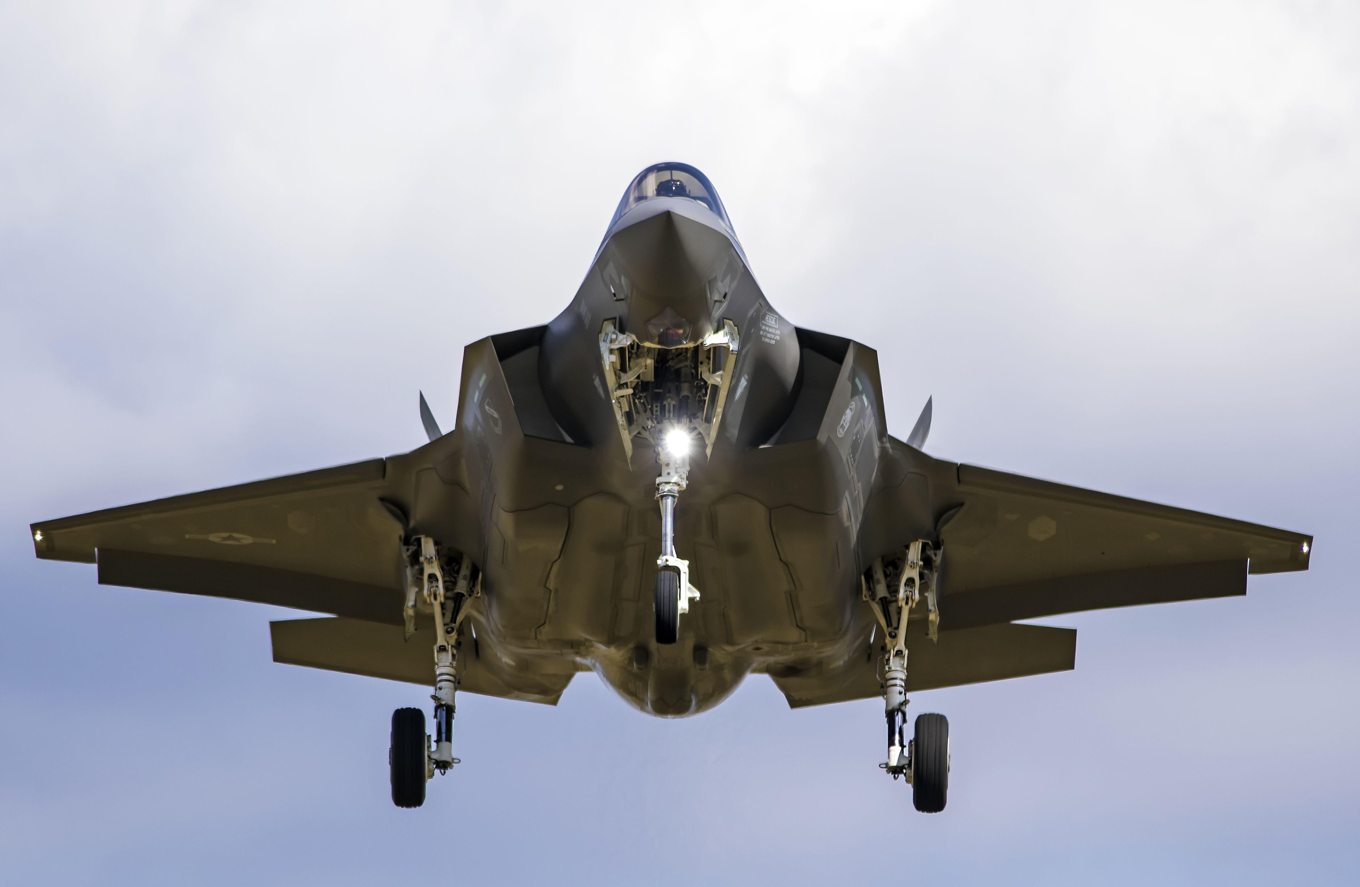 General 4604x3004 military aircraft vehicle military aircraft