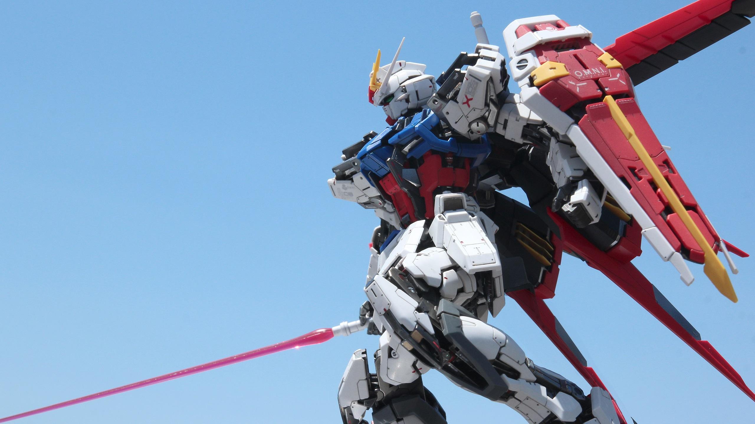 General 2560x1440 Mobile Suit Gundam Gundam Gundam Aile Strike Master Grade mech Josh Darrah Gunpla Mobile Suit Gundam SEED macro photography robot science fiction