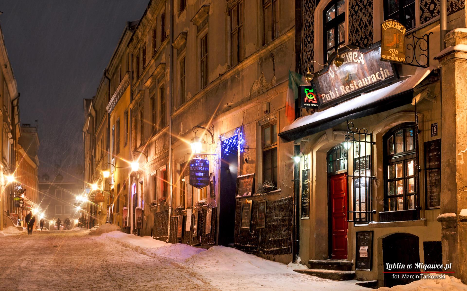 General 1920x1200 Lublin Poland Polish cityscape Tourism tourist Europe snow town calm snowing pub