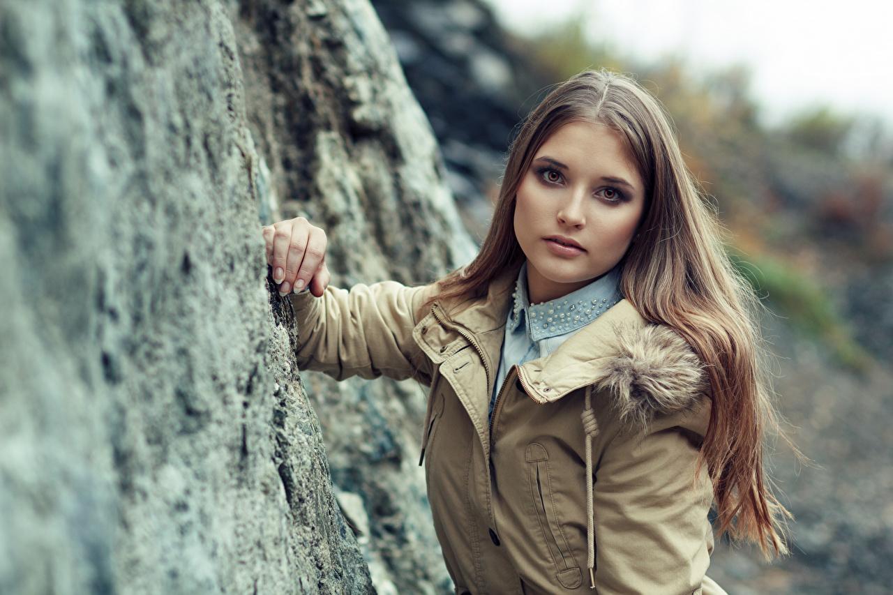 People 1280x853 model women brunette long hair women outdoors jeans shirt teen  grey jacket jacket blue shirt