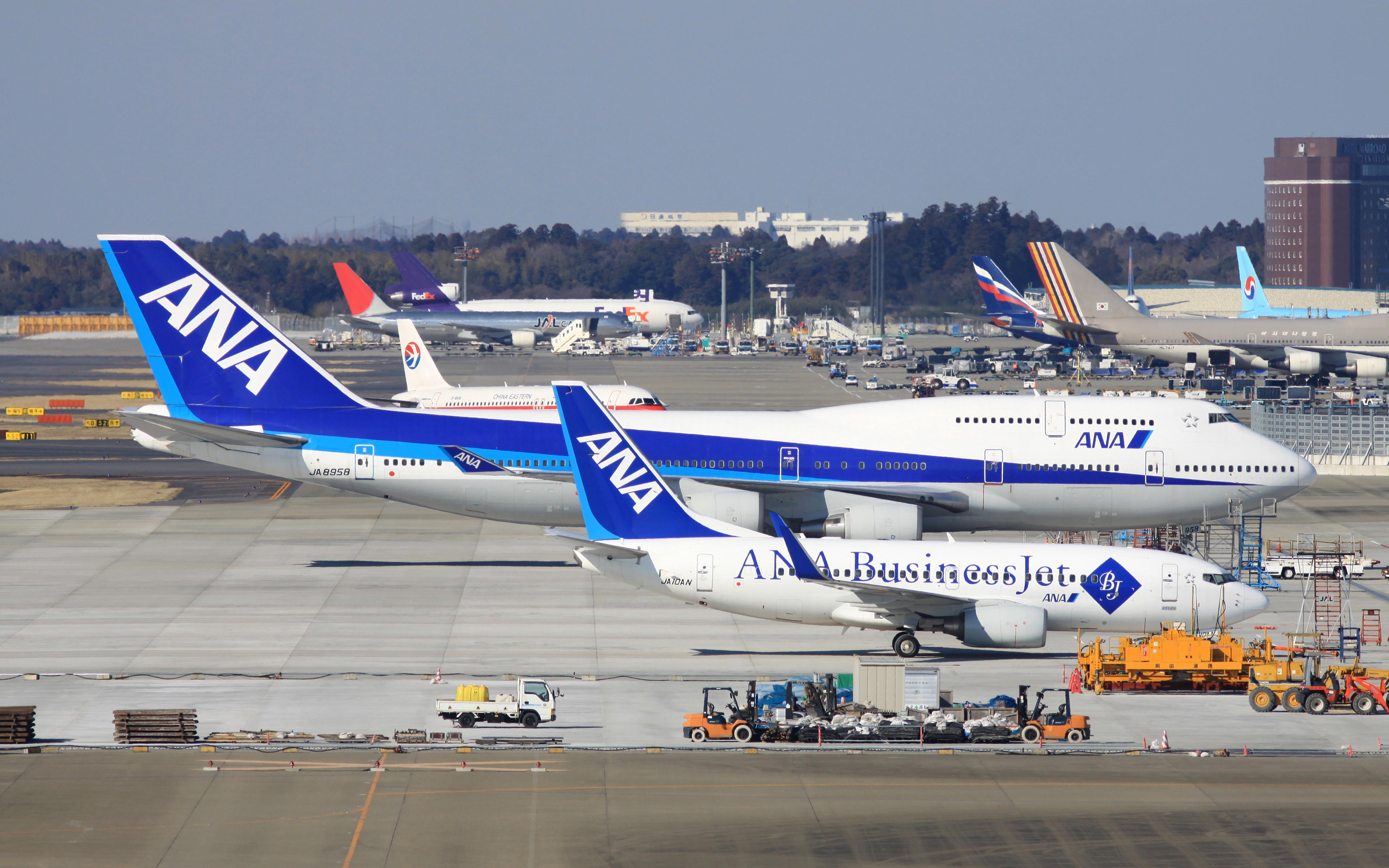General 3840x2400 aircraft Boeing 747 Boeing 737 airport transport