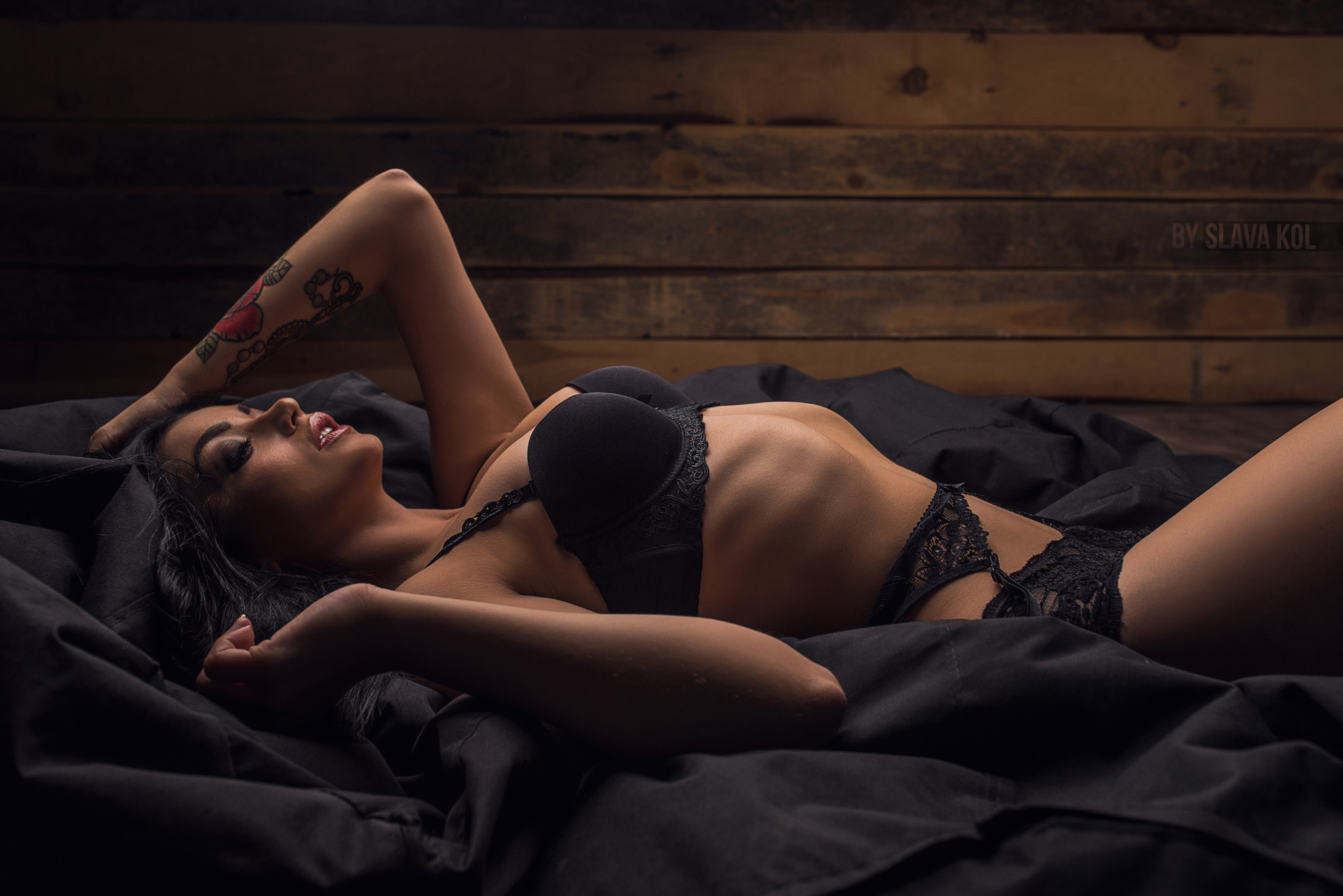 People 2048x1367 women tattoo belly black hair Slava Kol garter belt bra