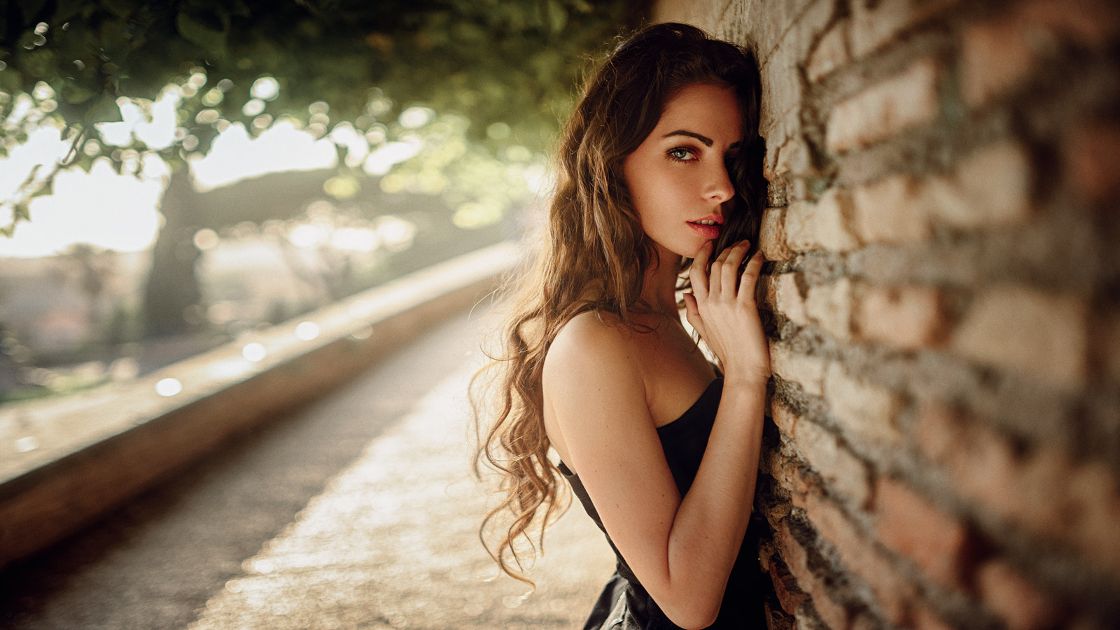 People 1600x900 Georgy Chernyadyev women model long hair wavy hair auburn hair bare shoulders dress face looking at viewer depth of field
