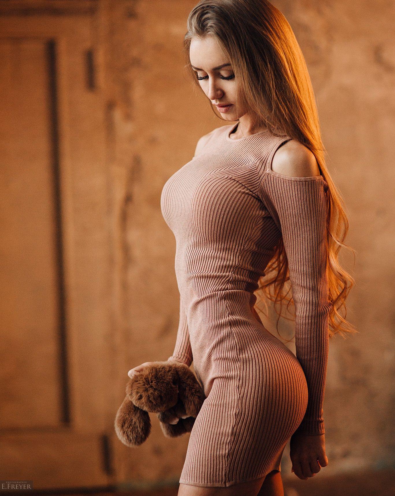 People 1367x1717 long hair dress wavy hair Valentina Grishko brunette warm light Plush Toy Evgeny Freyer women