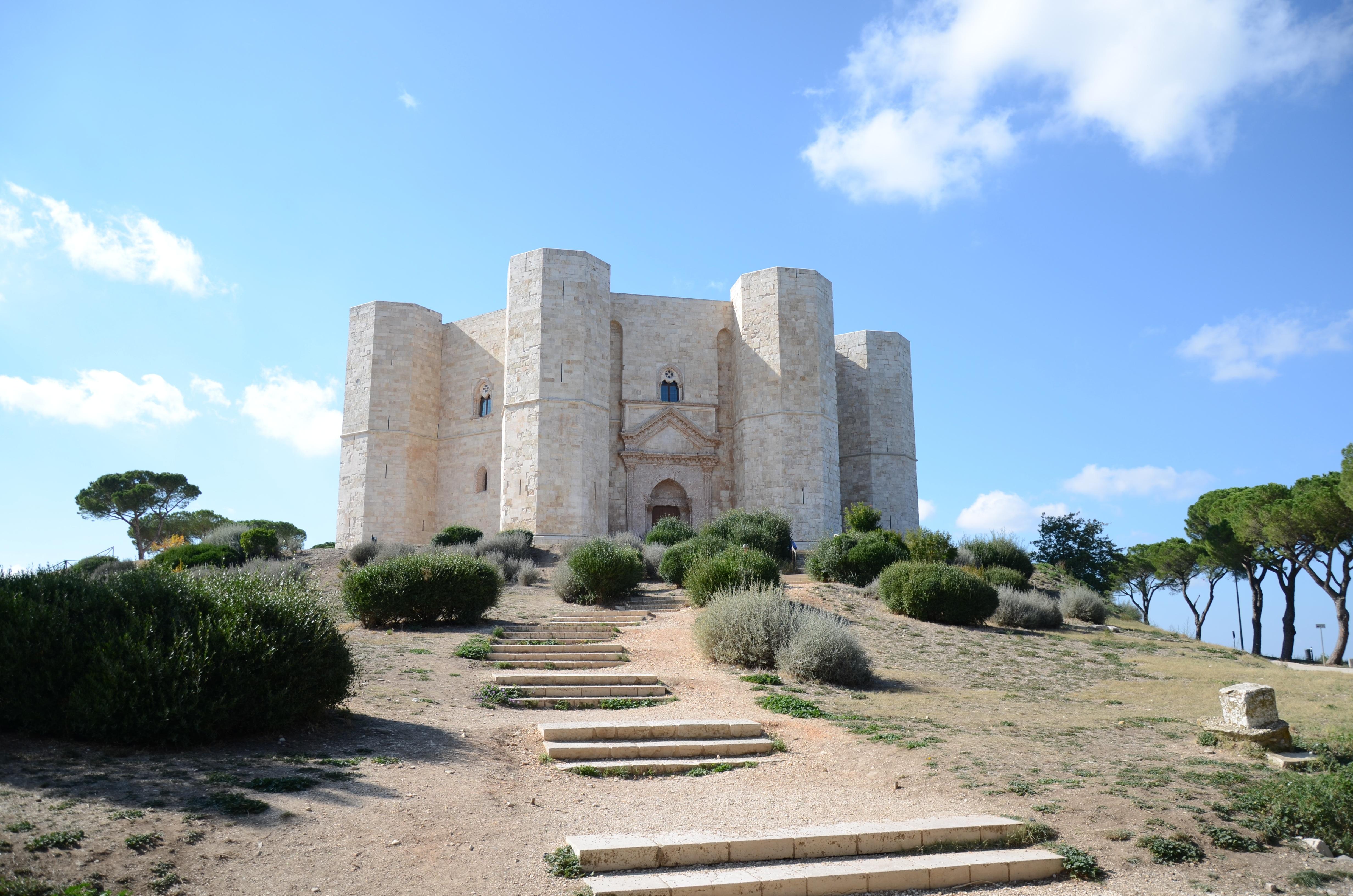 General 4928x3264 Puglia castle Castel del Monte Italy landscape
