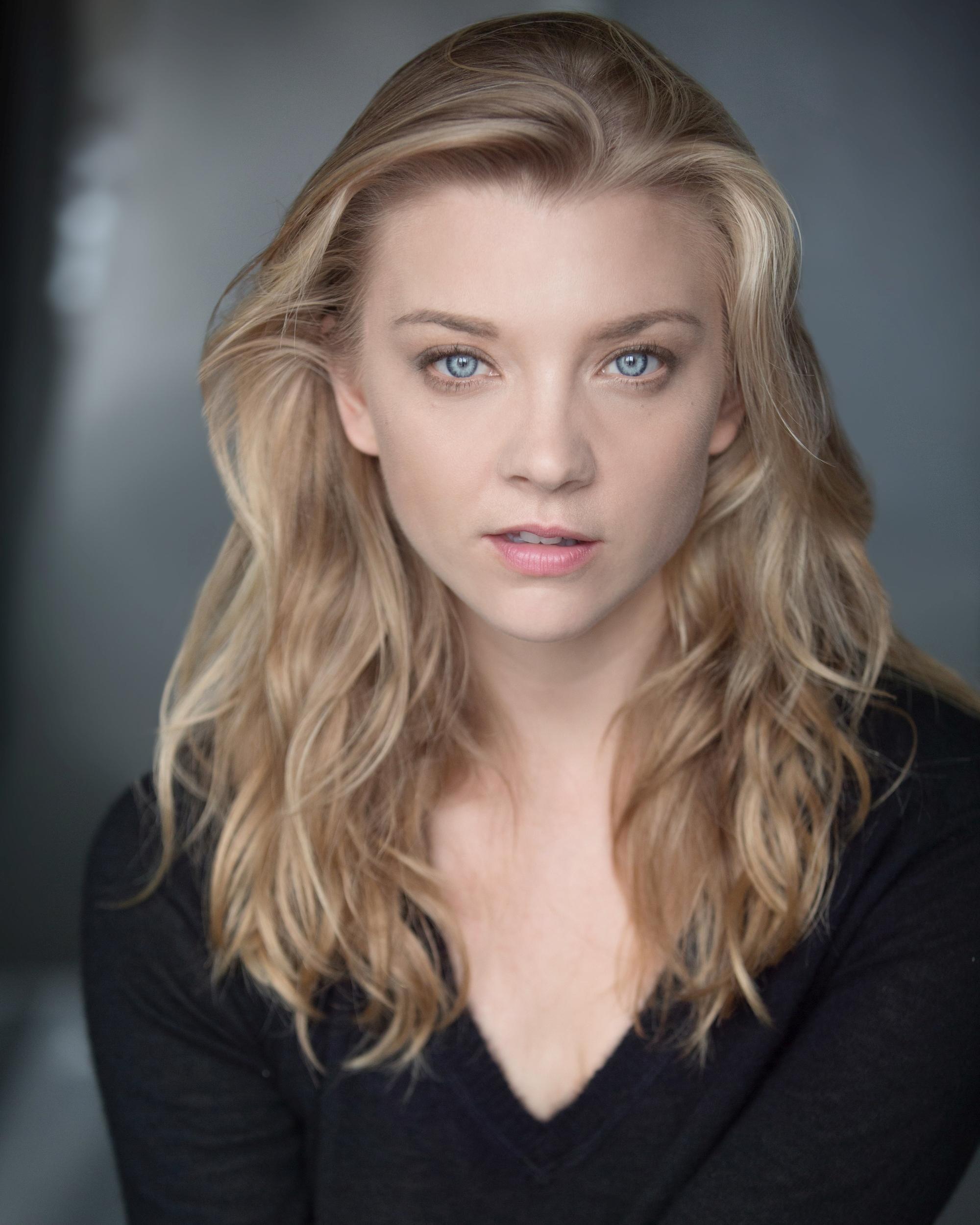 People 2000x2500 Natalie Dormer  face actress women blue eyes blonde long hair depth of field