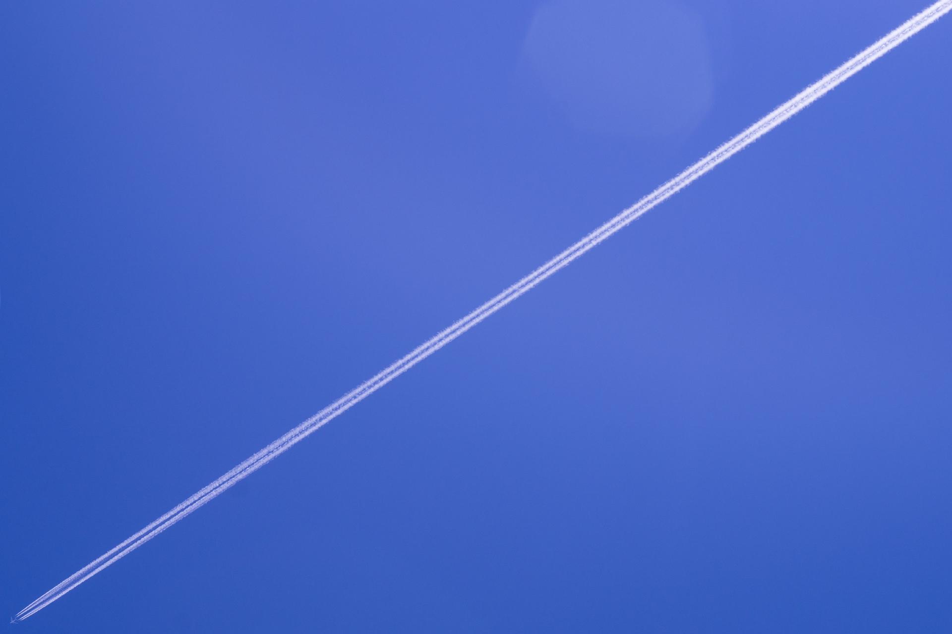 General 1920x1280 sky sky blue airplane contrails minimalism