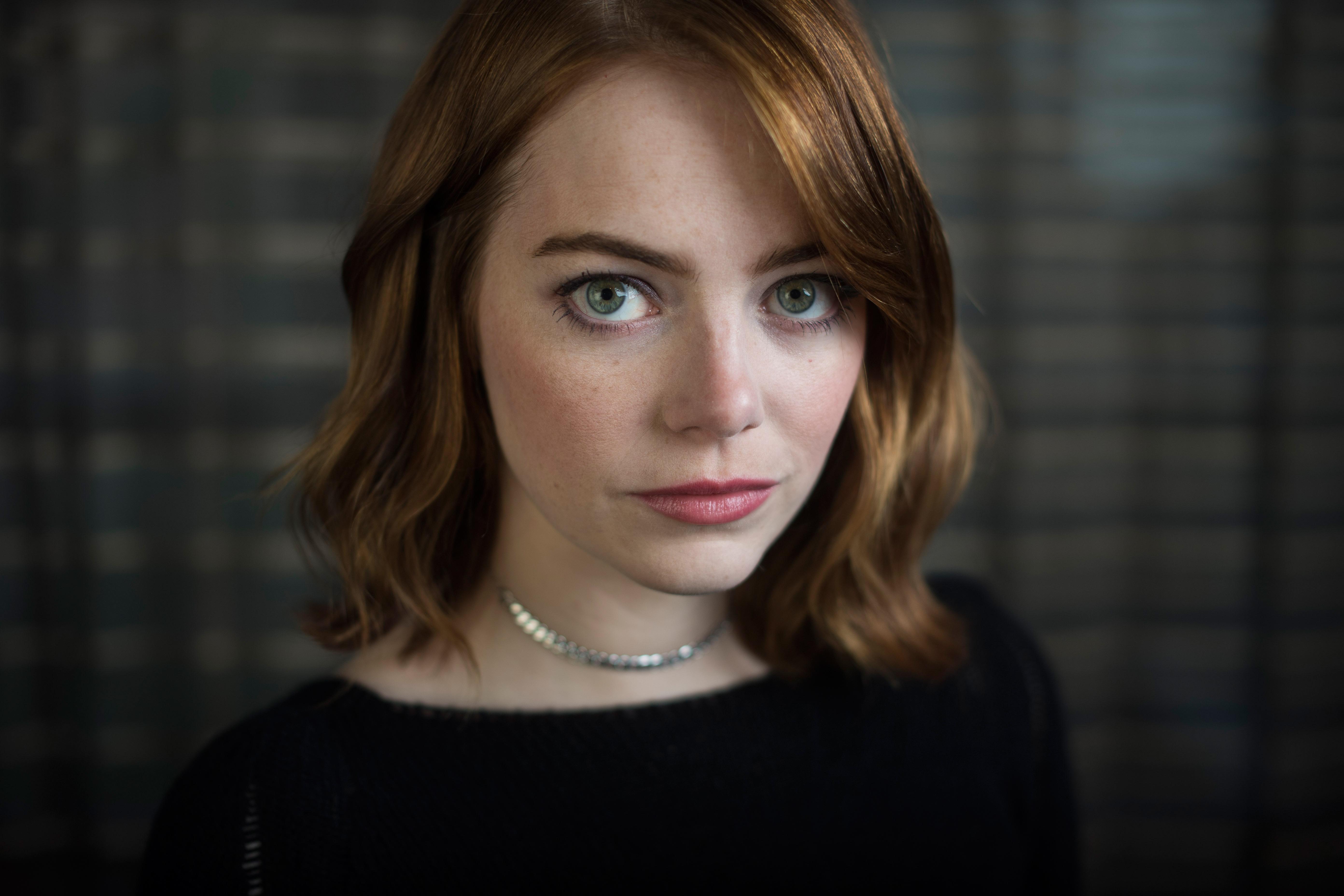 People 5568x3712 Emma Stone women brunette shoulder length hair green eyes women indoors actress face closeup