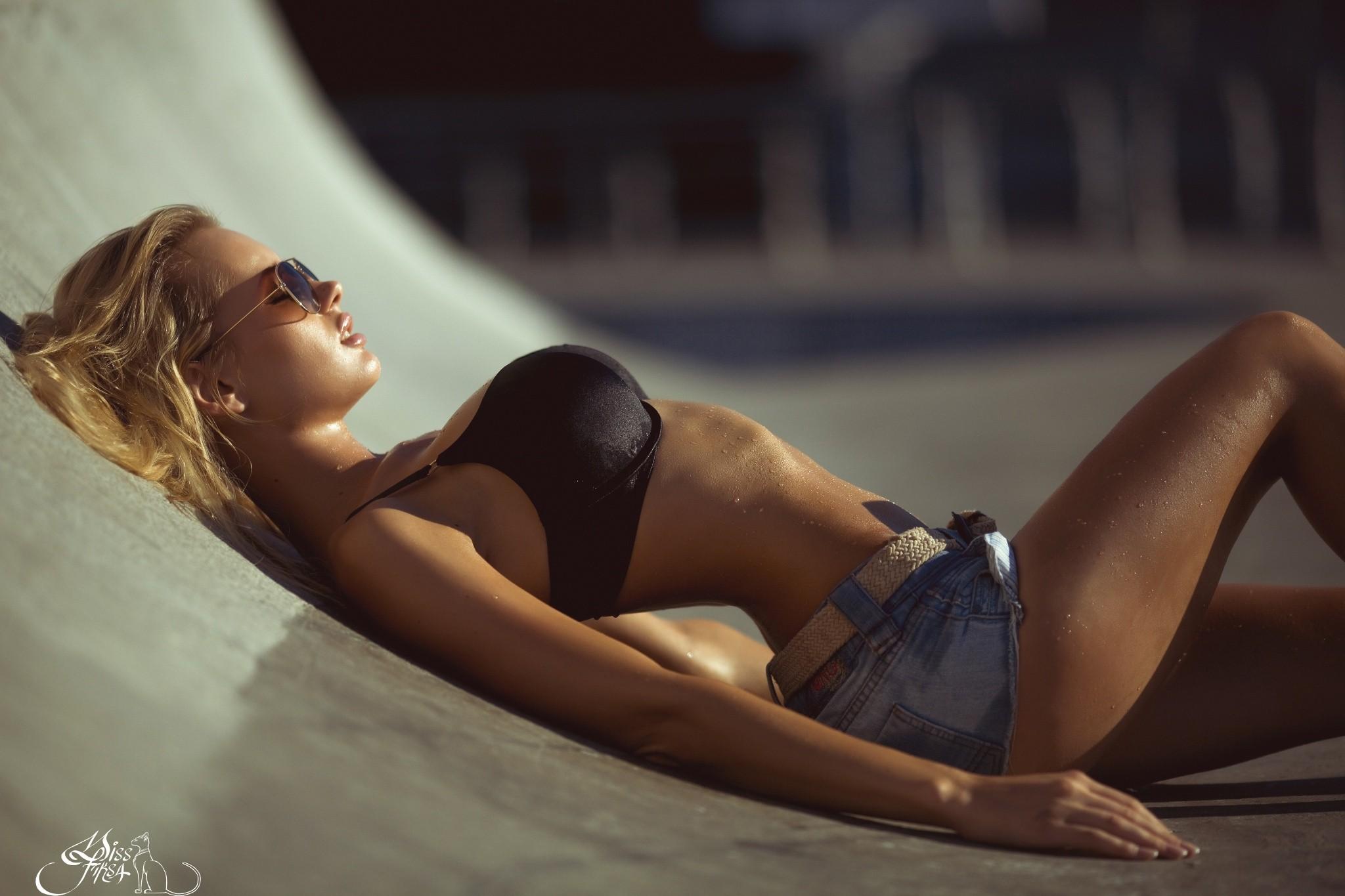 People 2048x1365 women model blonde glasses jean shorts big boobs sunglasses women outdoors women with glasses black bras Miss Fiksa wet body water drops sweat Olya Abramovich